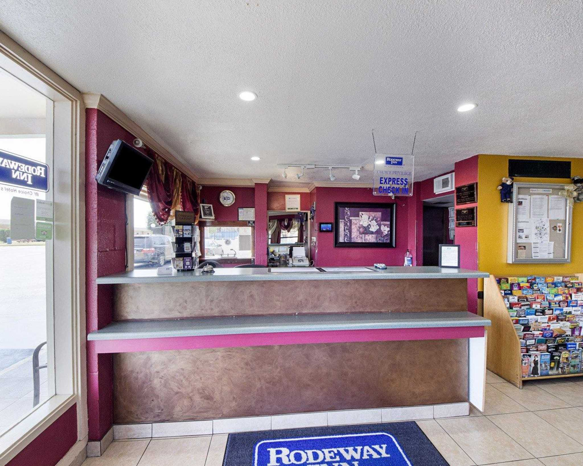 Rodeway Inn At Lackland AFB image 16