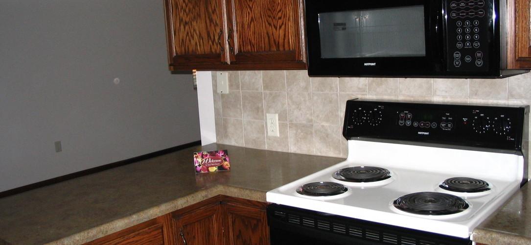 Twin Lakes Apartments Furnished Apartment Building Wichita Ks 67203