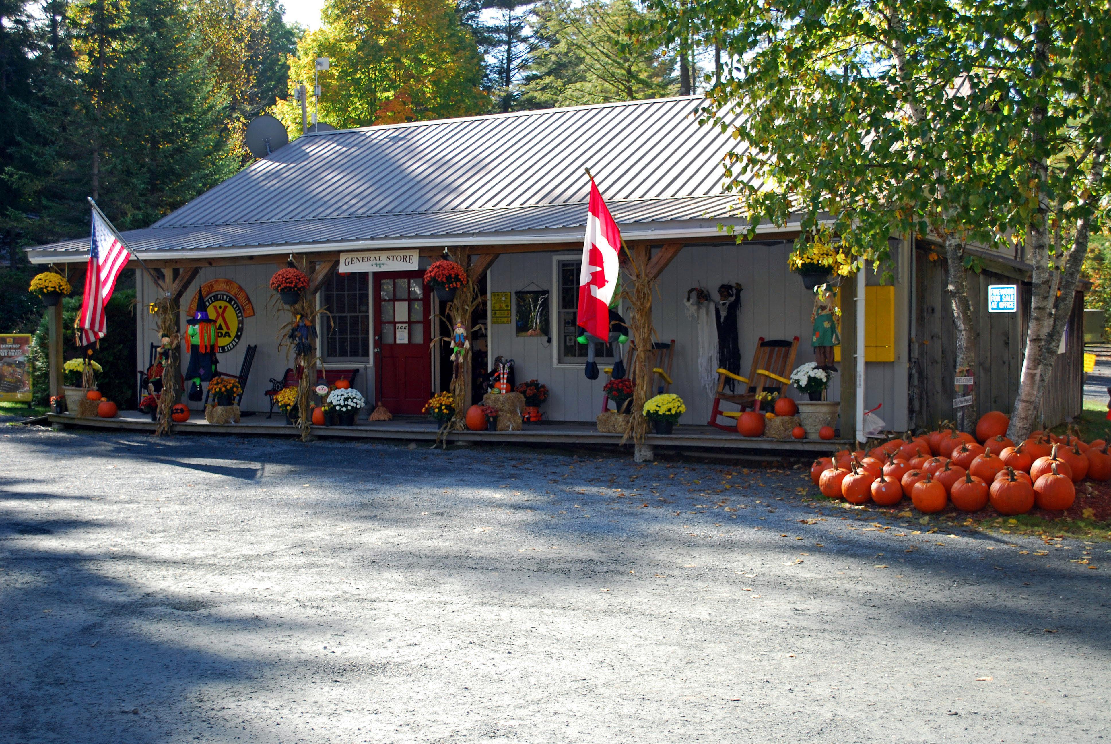 Quechee / Pine Valley KOA Holiday image 9