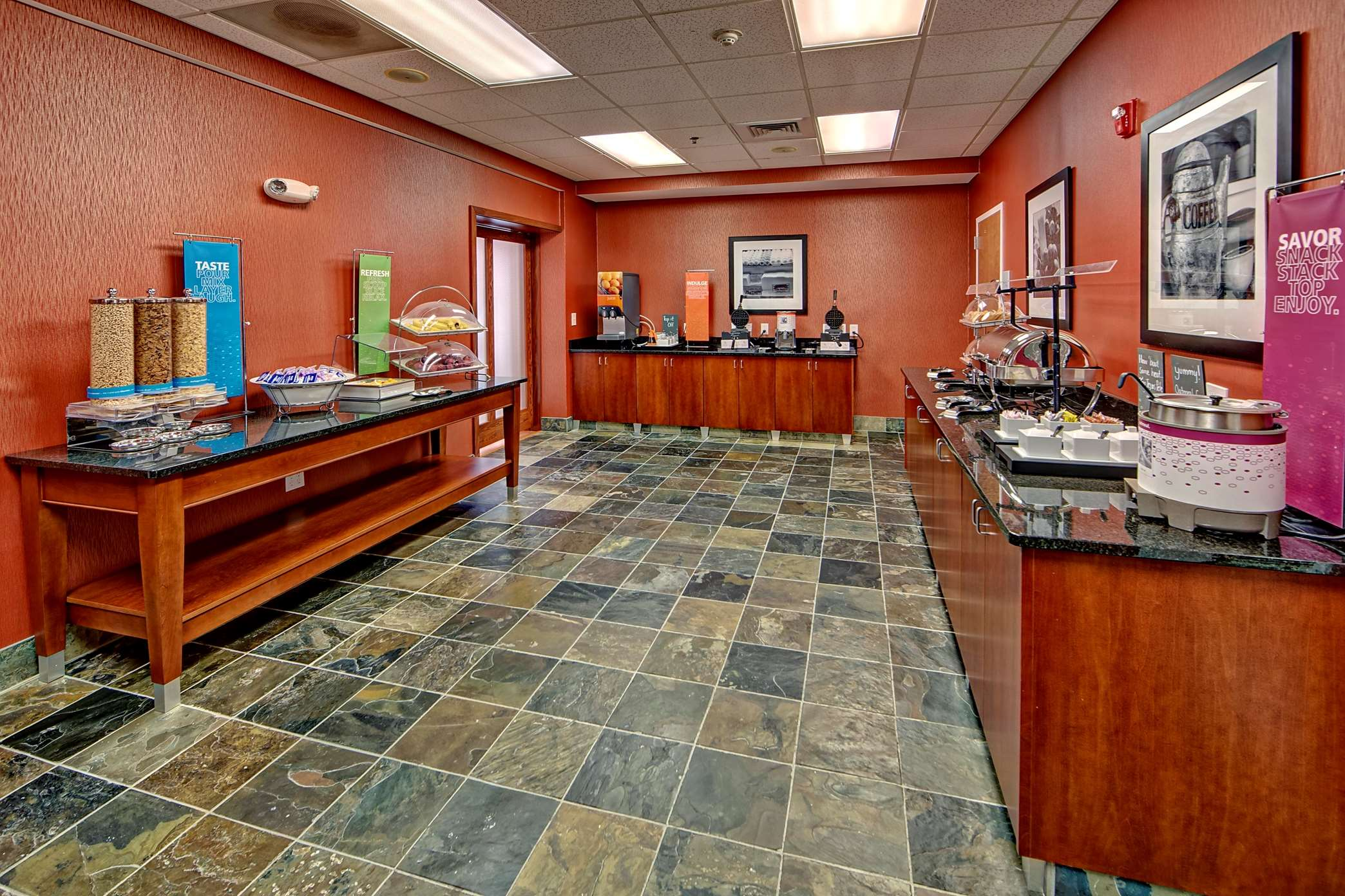 Hampton Inn & Suites Cashiers-Sapphire Valley image 20