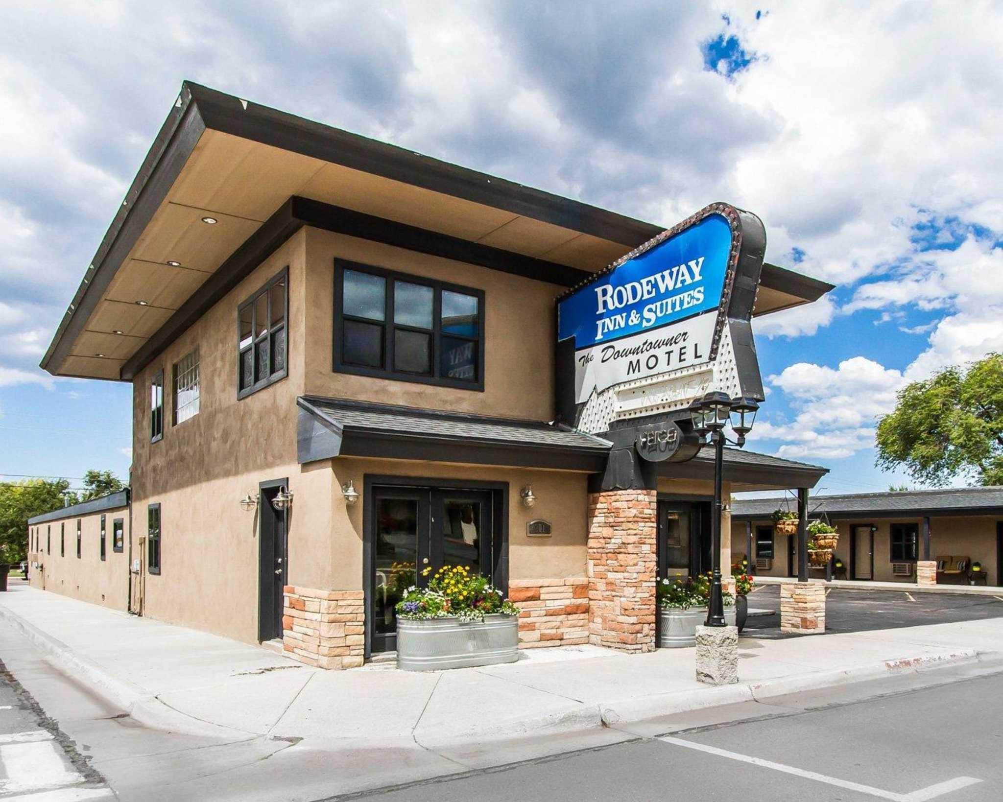 Rodeway Inn & Suites Downtowner-Rte 66 image 0