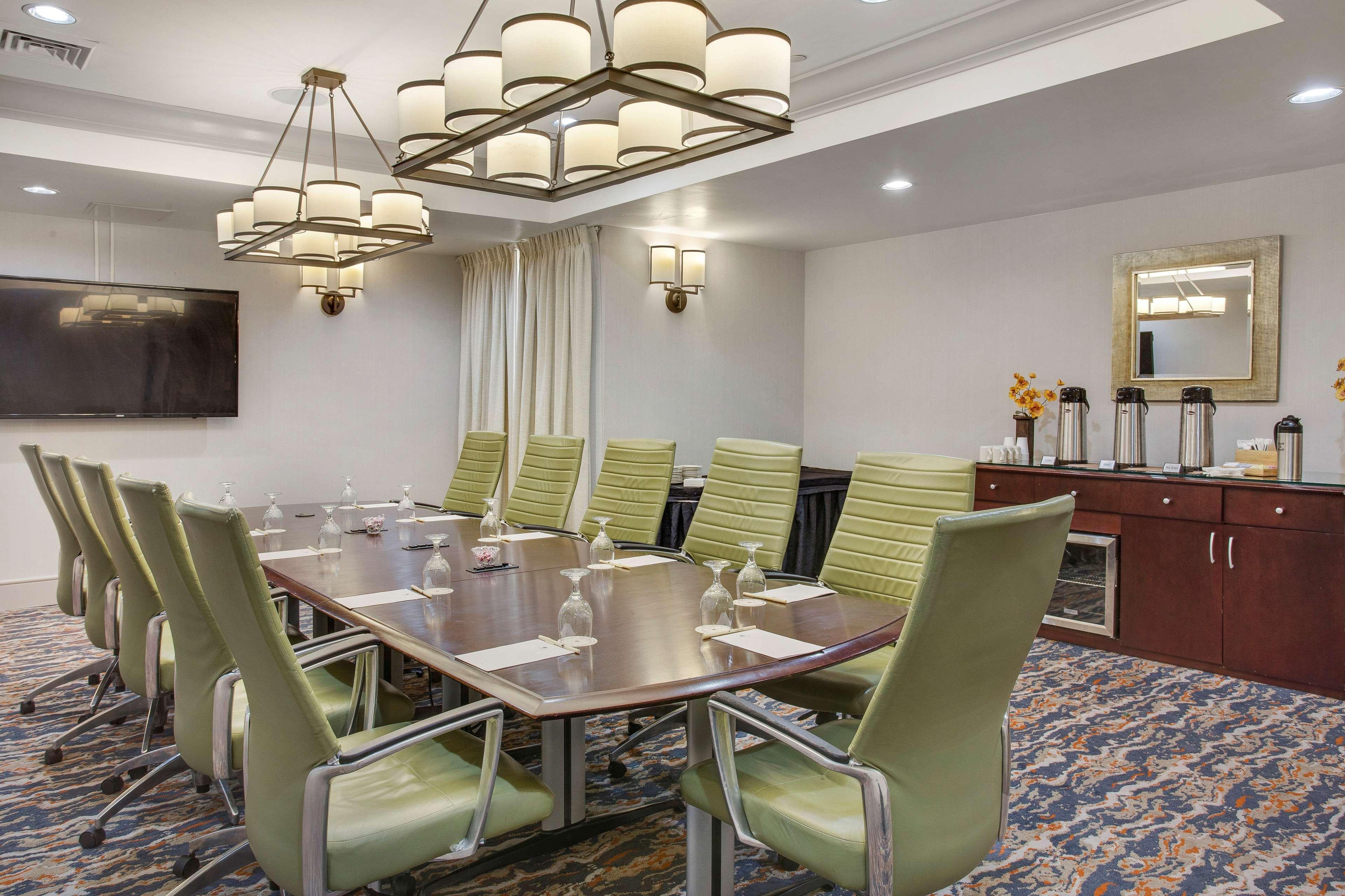 DoubleTree by Hilton Hotel Little Rock image 37
