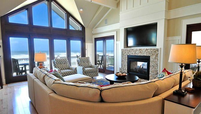 Daniels' Homeport Coastal Furnishings image 3
