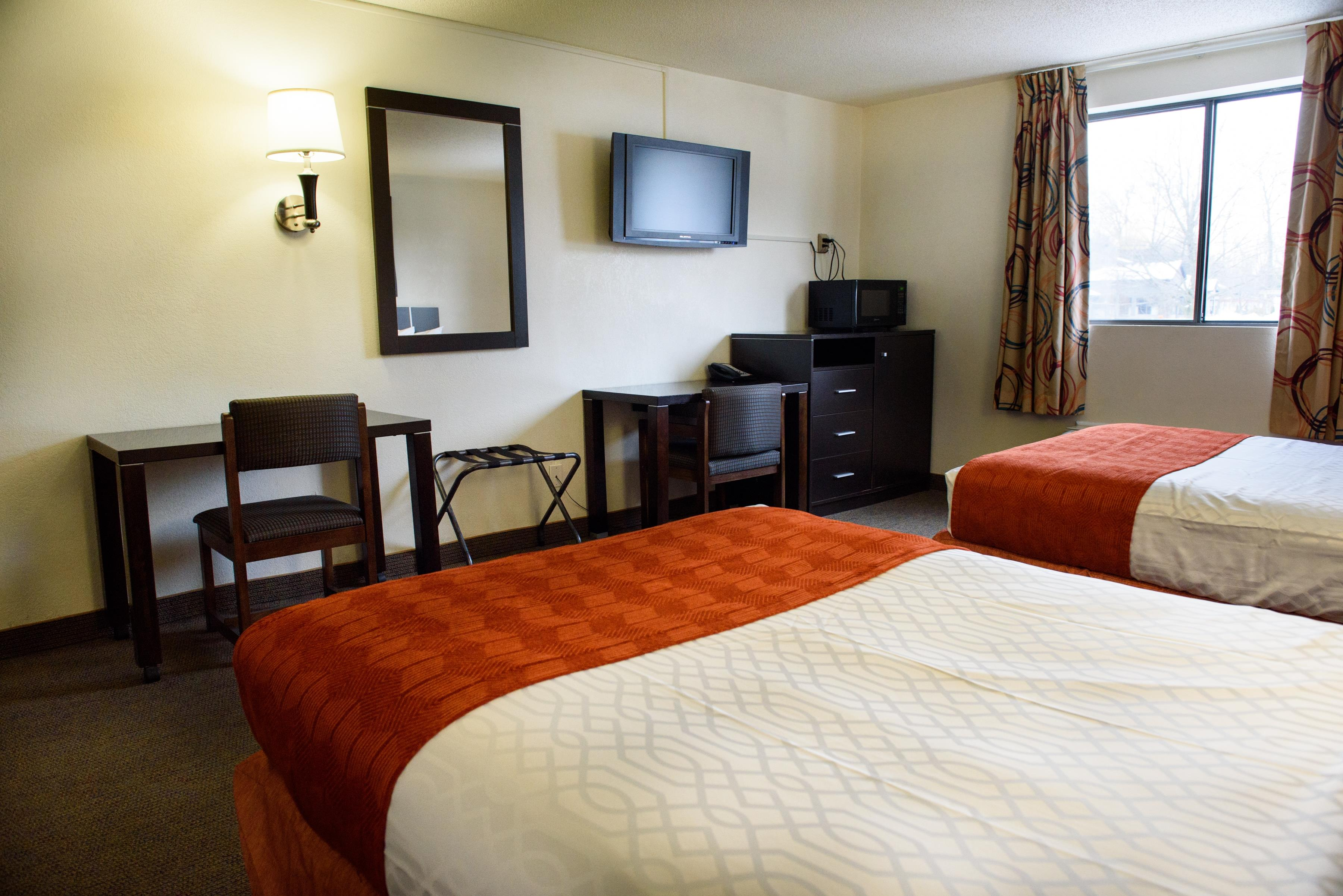 Americas Best Value Inn - New Paltz image 16