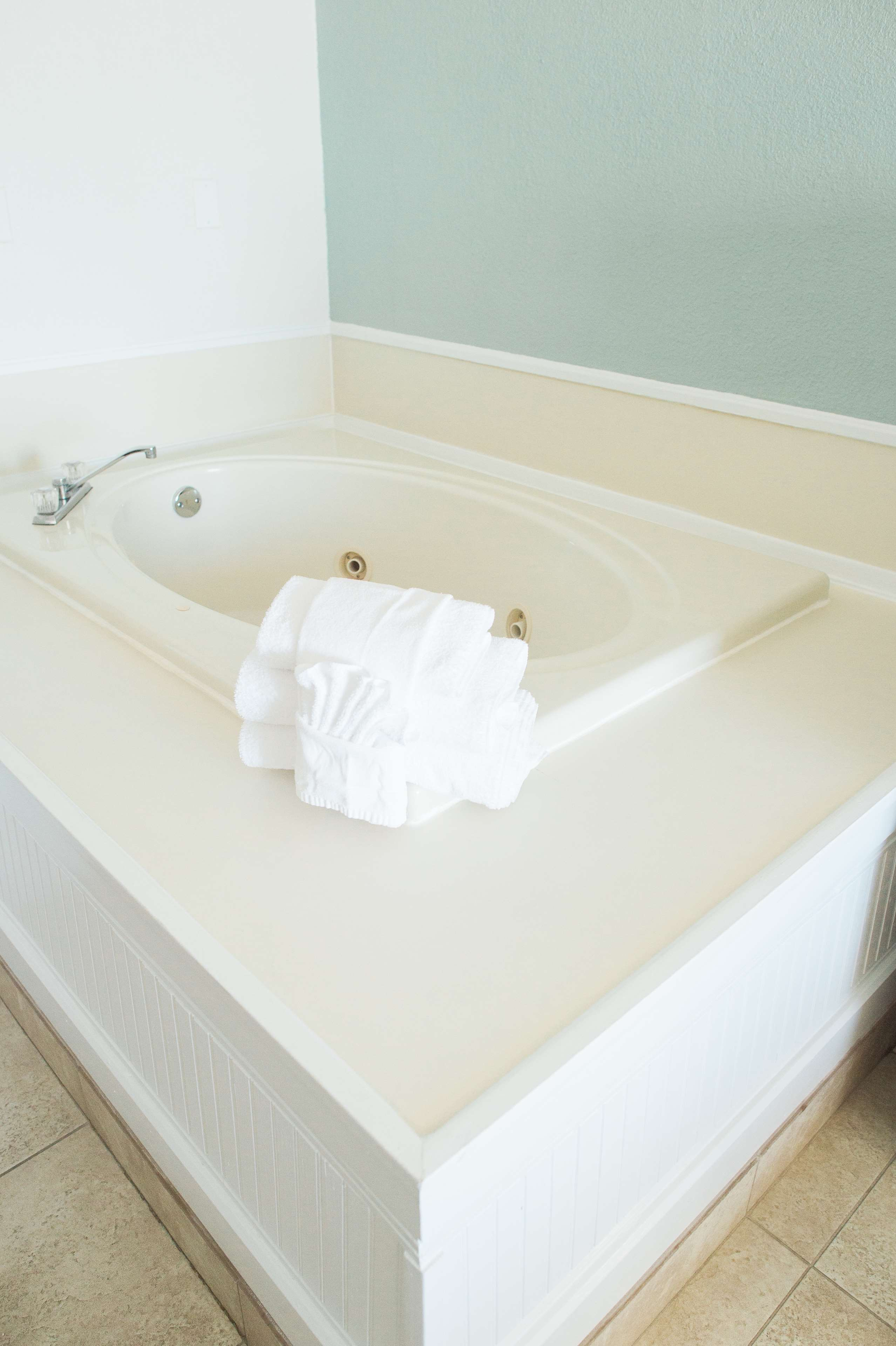 Jetted Tub Room