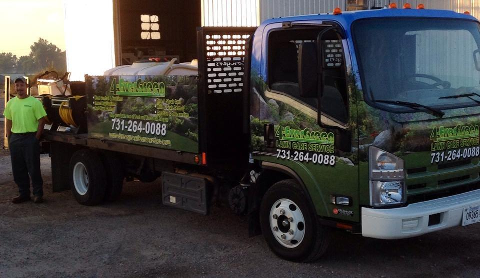 4-Evergreen Lawn Service image 4