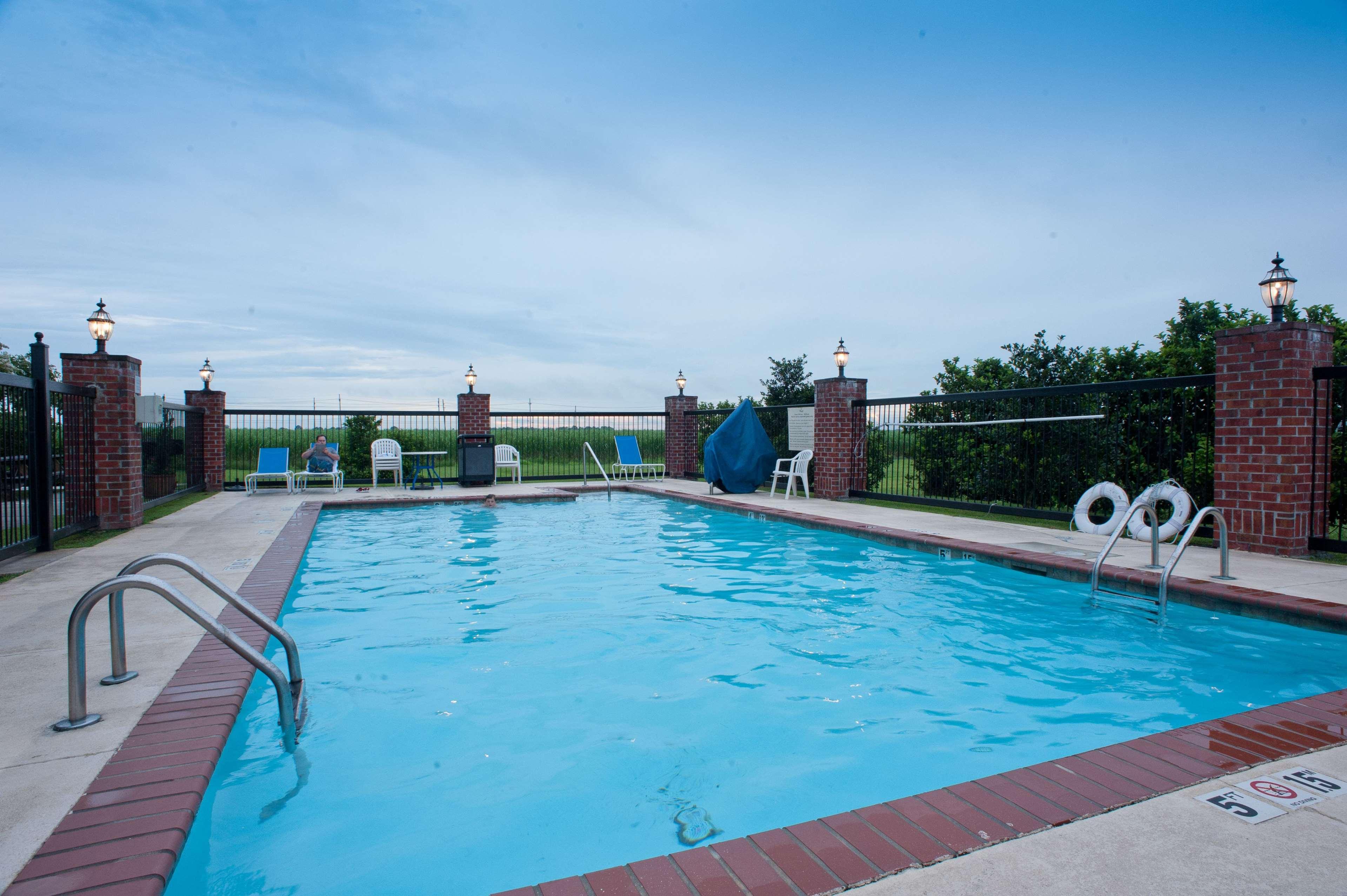 Hampton Inn & Suites Thibodaux image 3