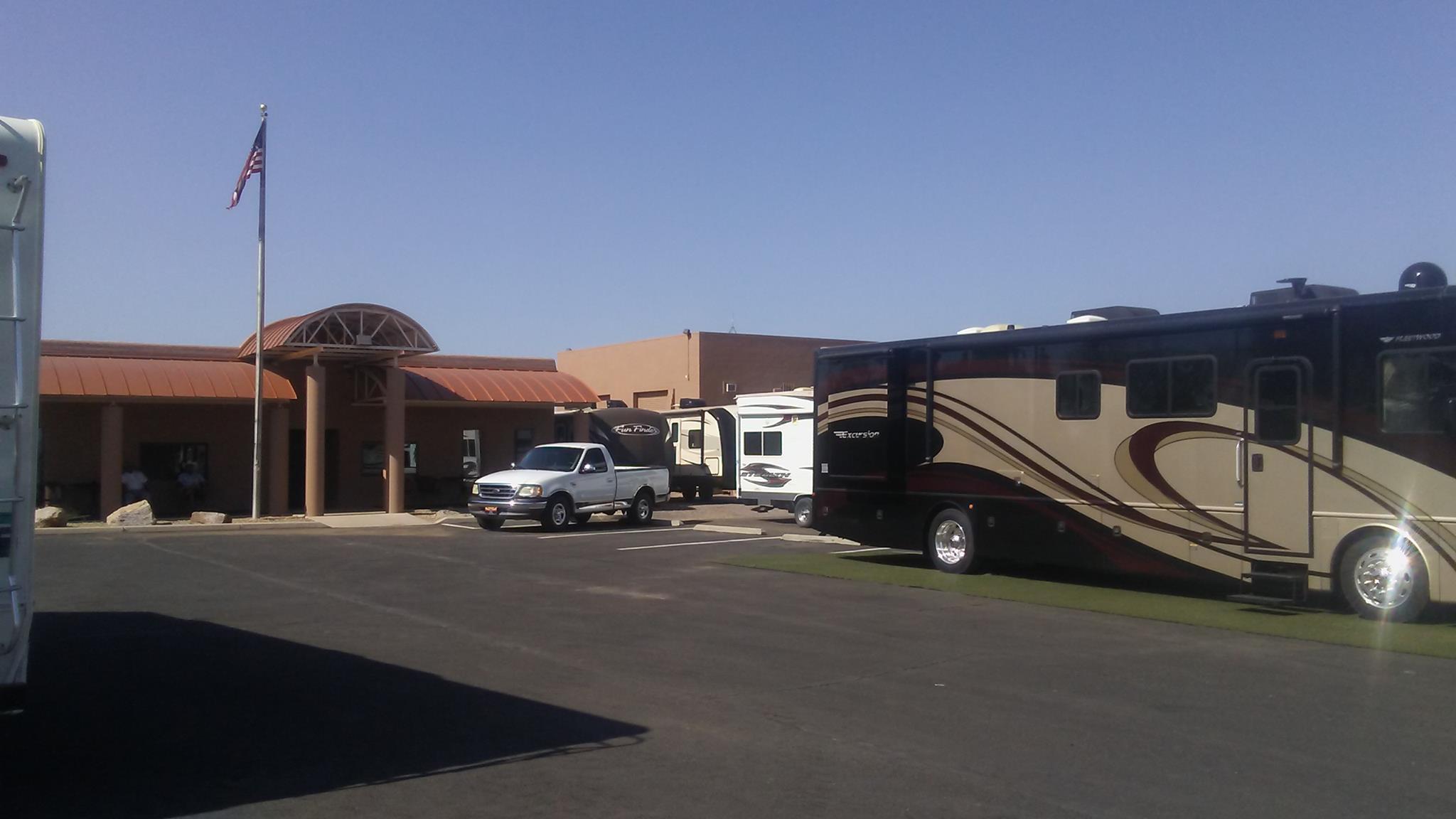 Tucson Park & Sell RV image 3