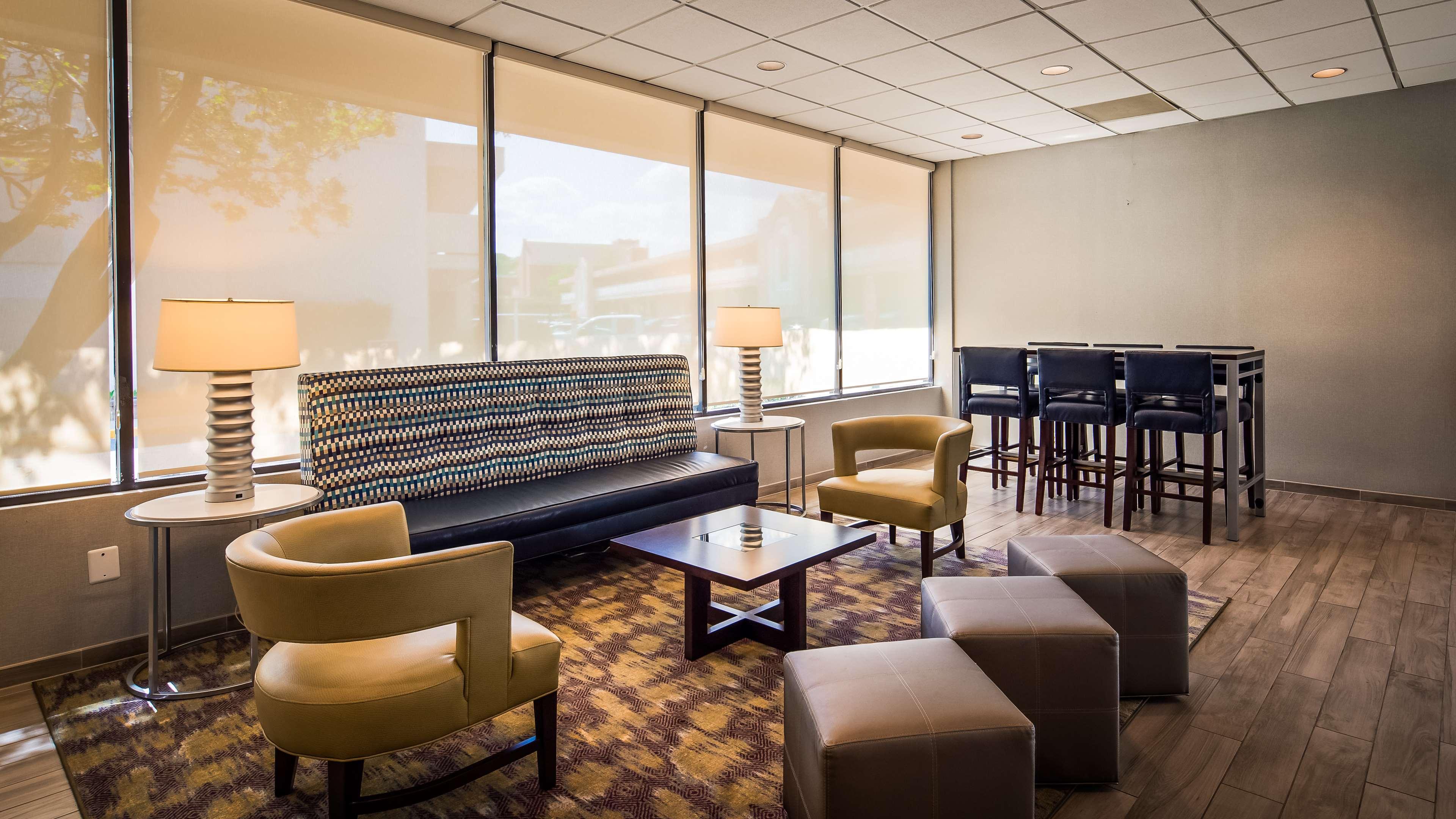 Best Western Pentagon Hotel - Reagan Airport image 19