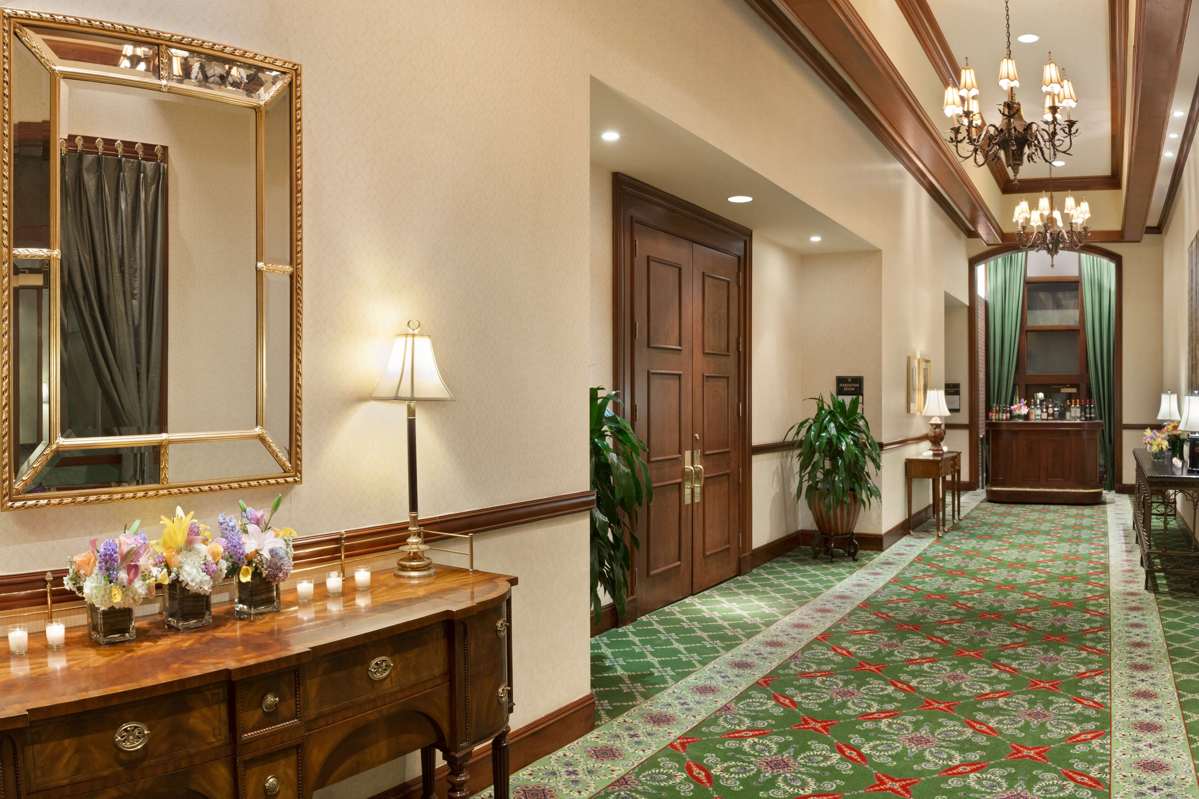 DoubleTree by Hilton Hotel & Suites Charleston - Historic District image 22