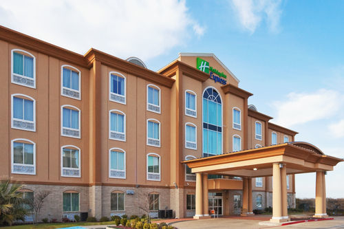 Holiday Inn Express & Suites Corsicana I-45 image 4