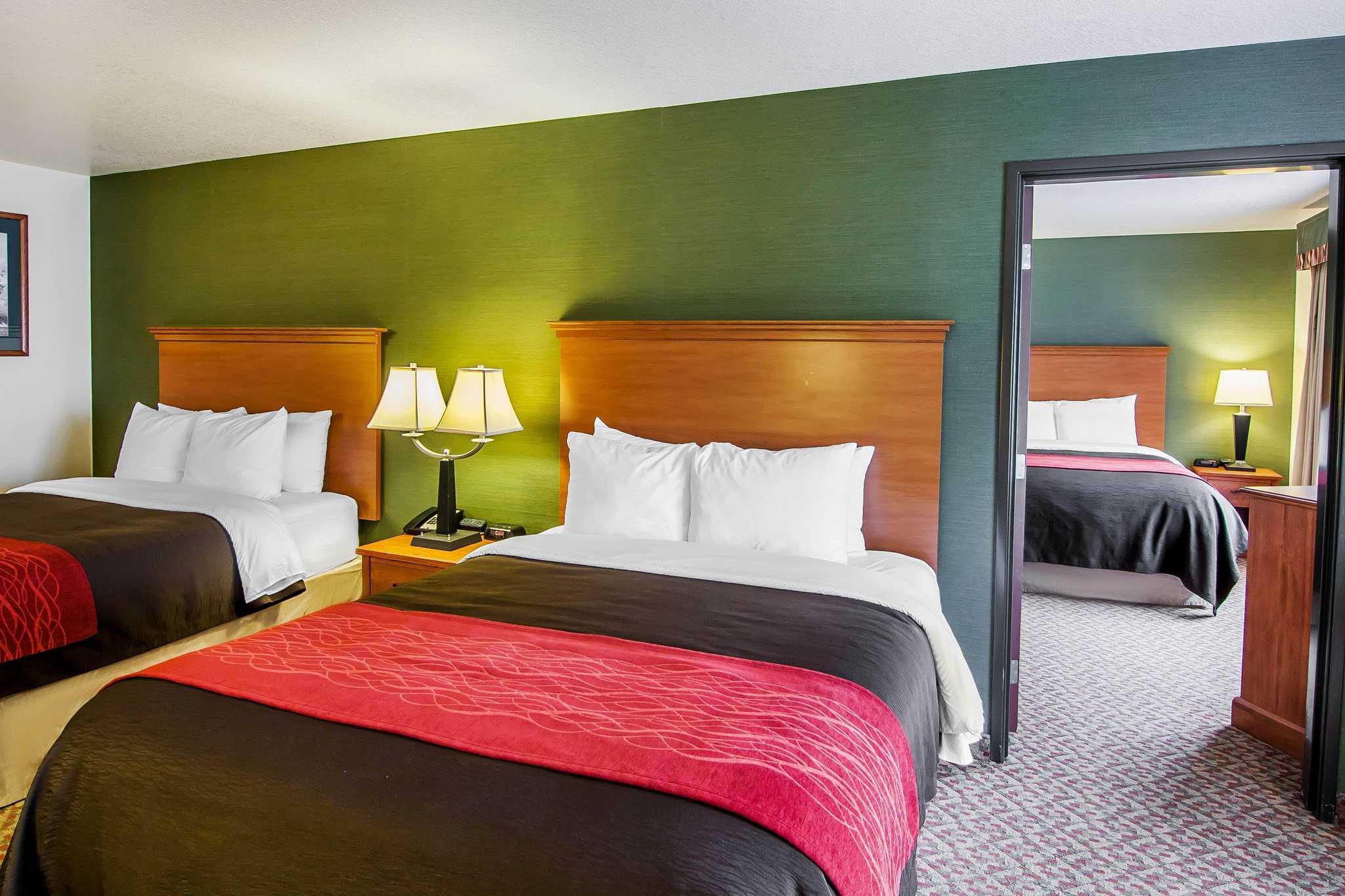 Comfort Inn & Suites image 48