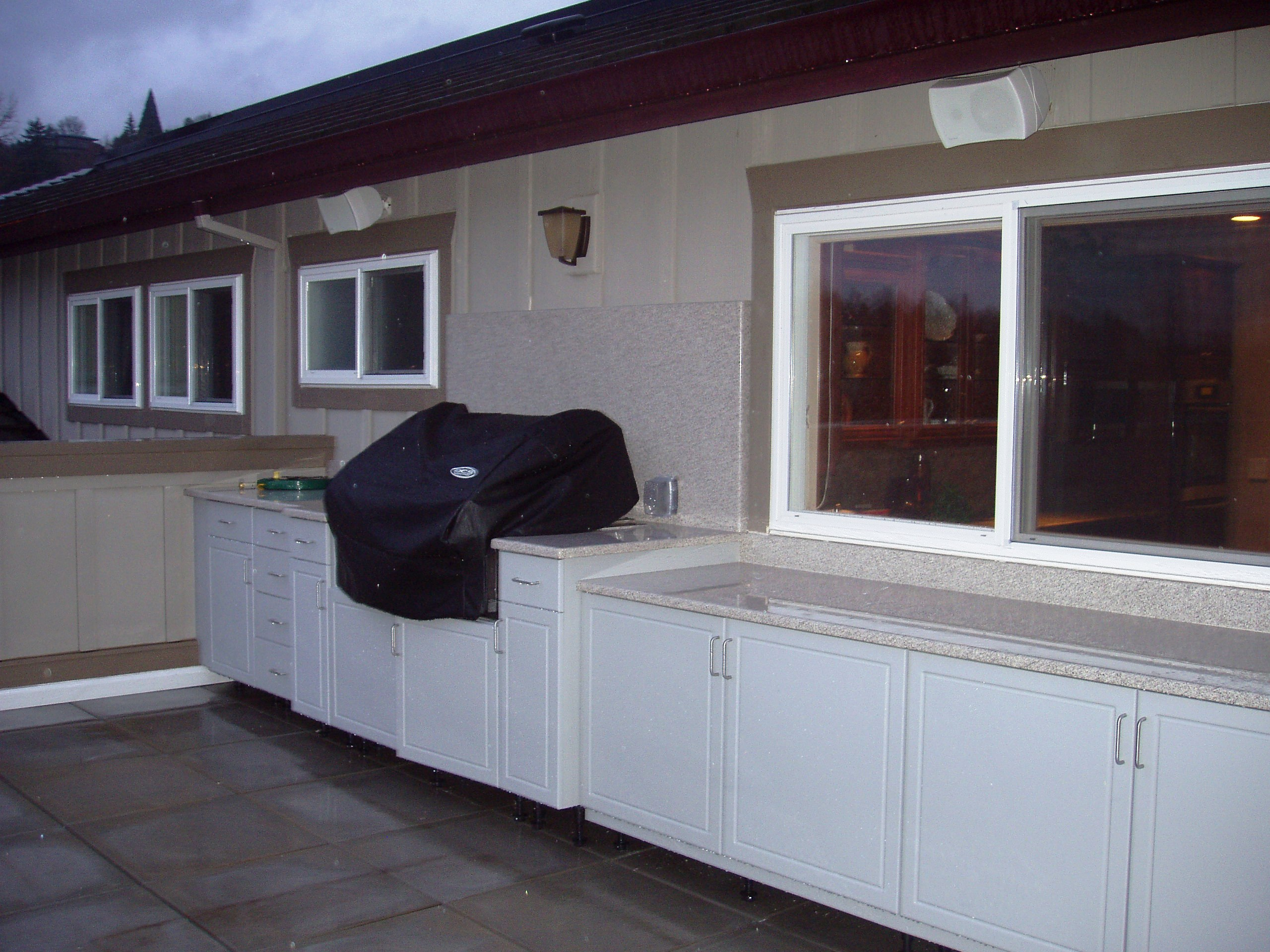 Outdoor Cabinets Direct image 13