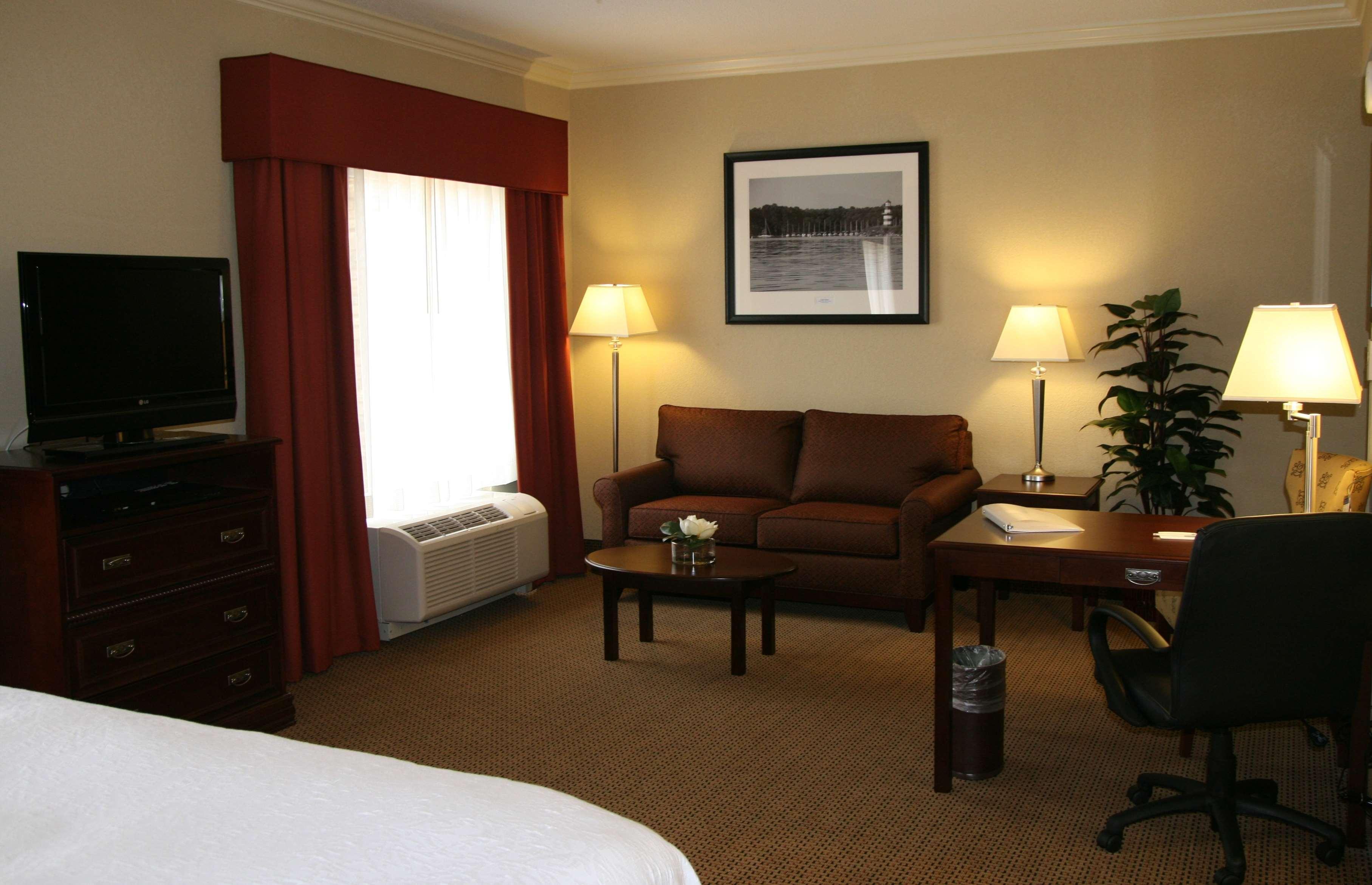Hampton Inn & Suites Lanett-West Point image 17