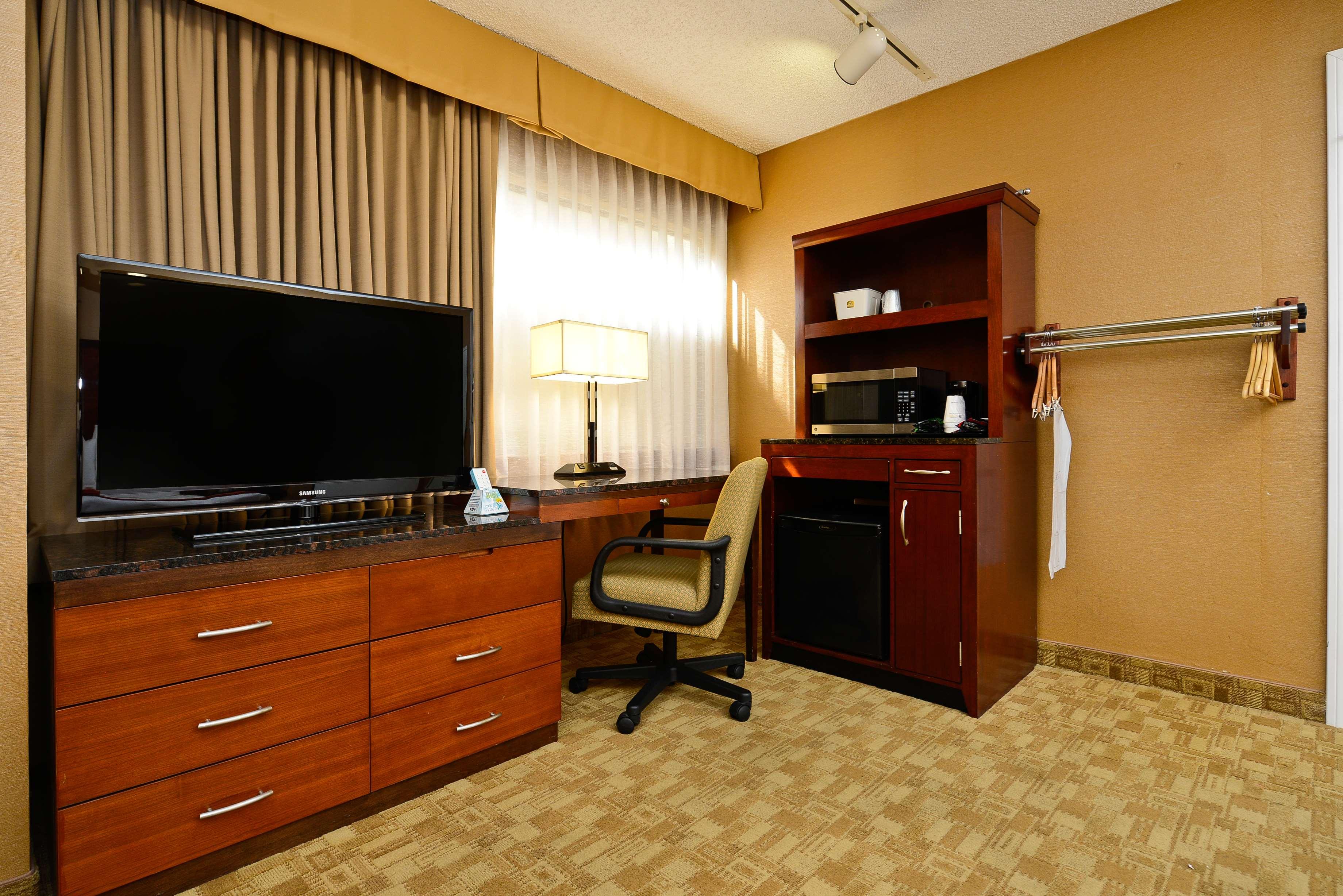 Best Western Inn at Palm Springs image 20