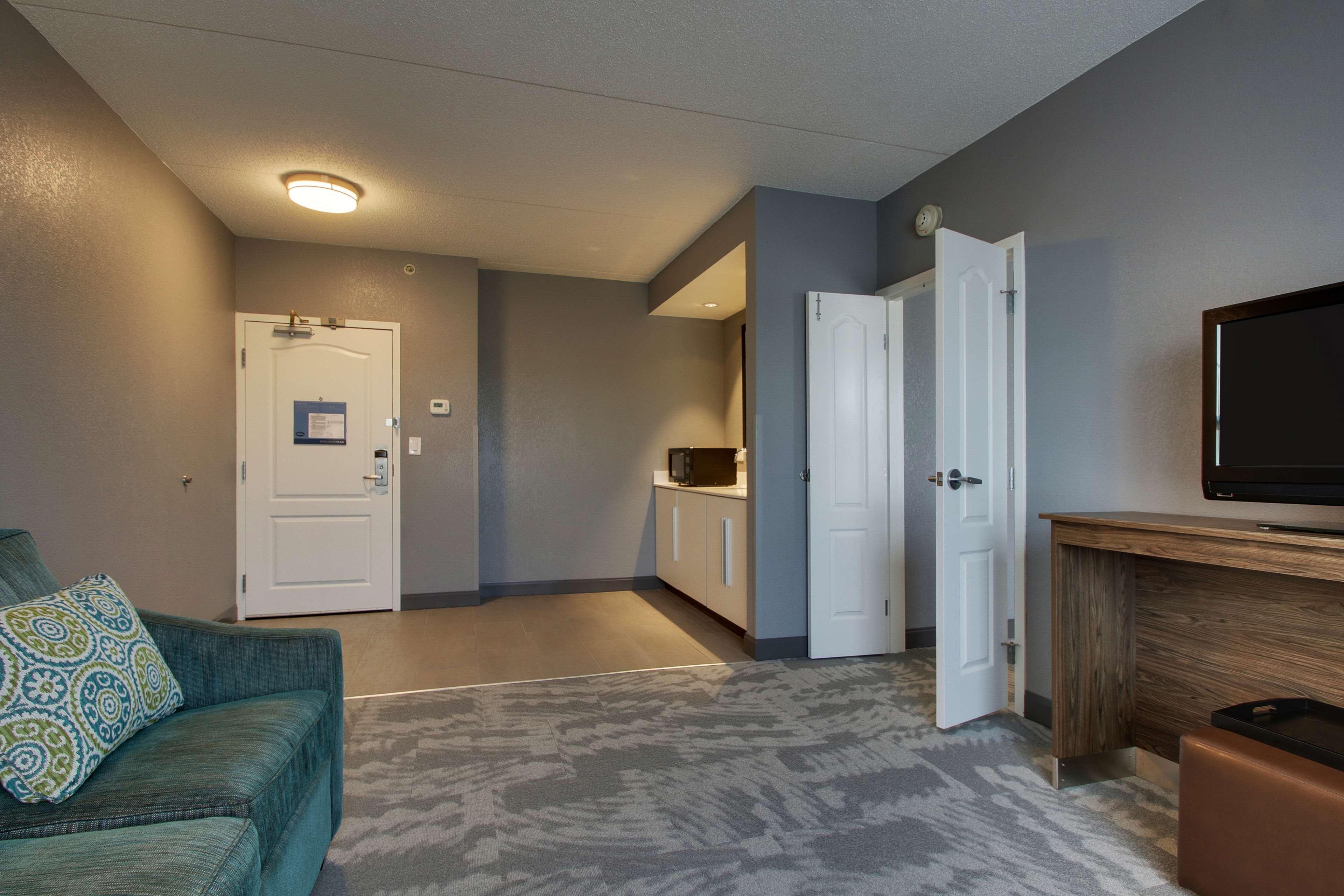 Hampton Inn & Suites Chicago/Aurora image 23