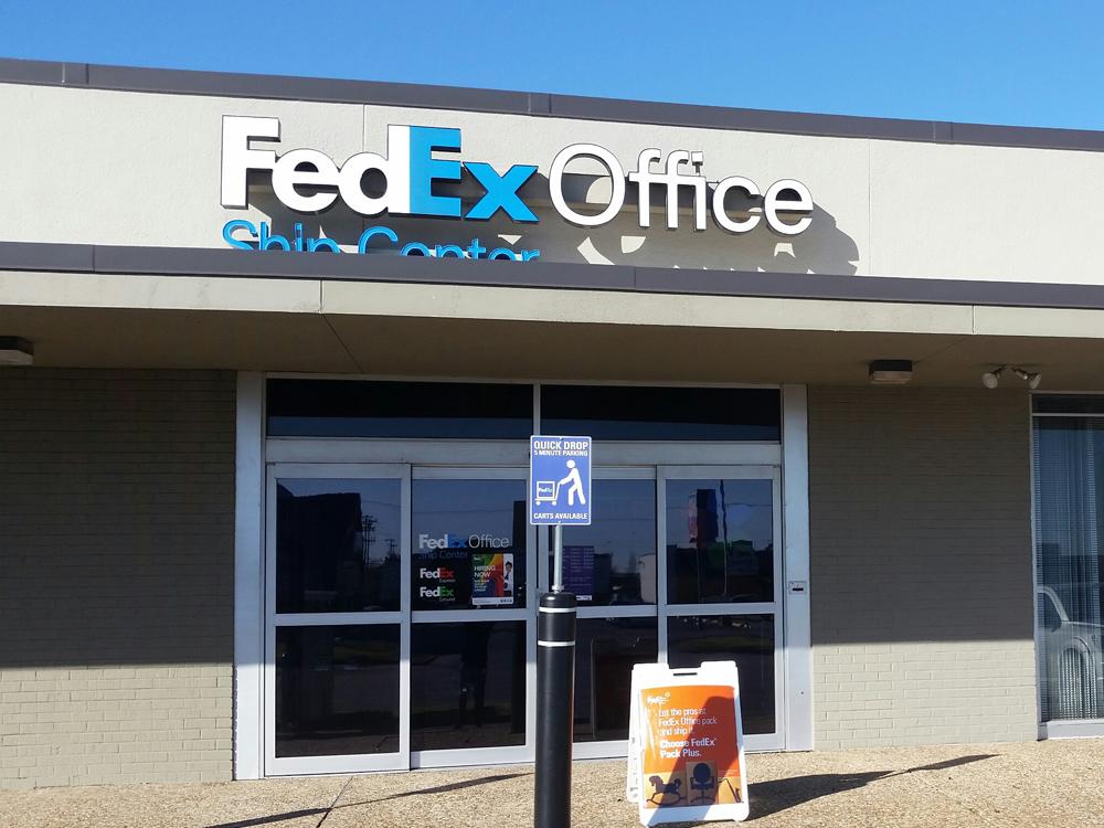 FedEx Office Ship Center in Dallas, TX, photo #2