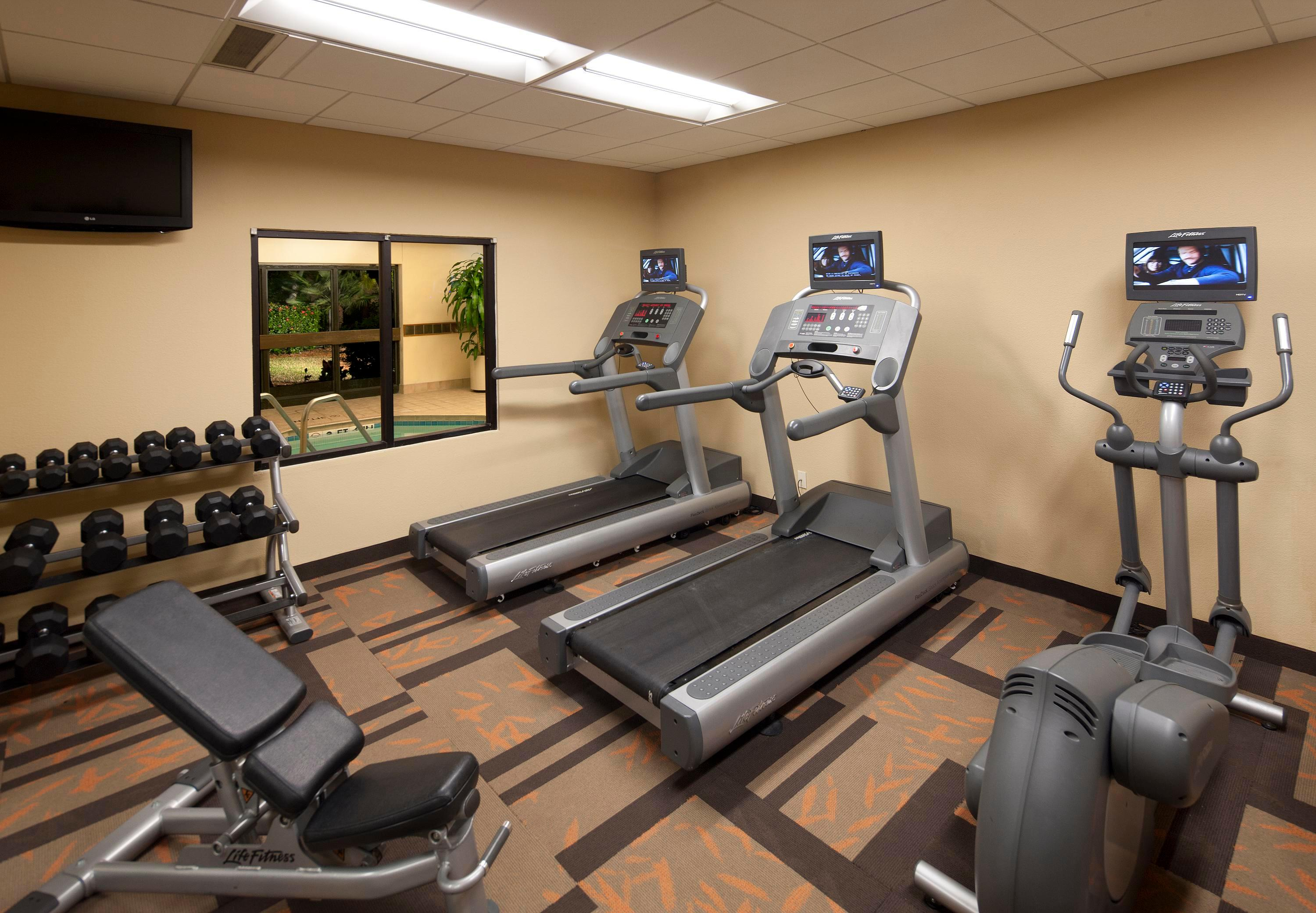 Courtyard by Marriott Miami Lakes image 24