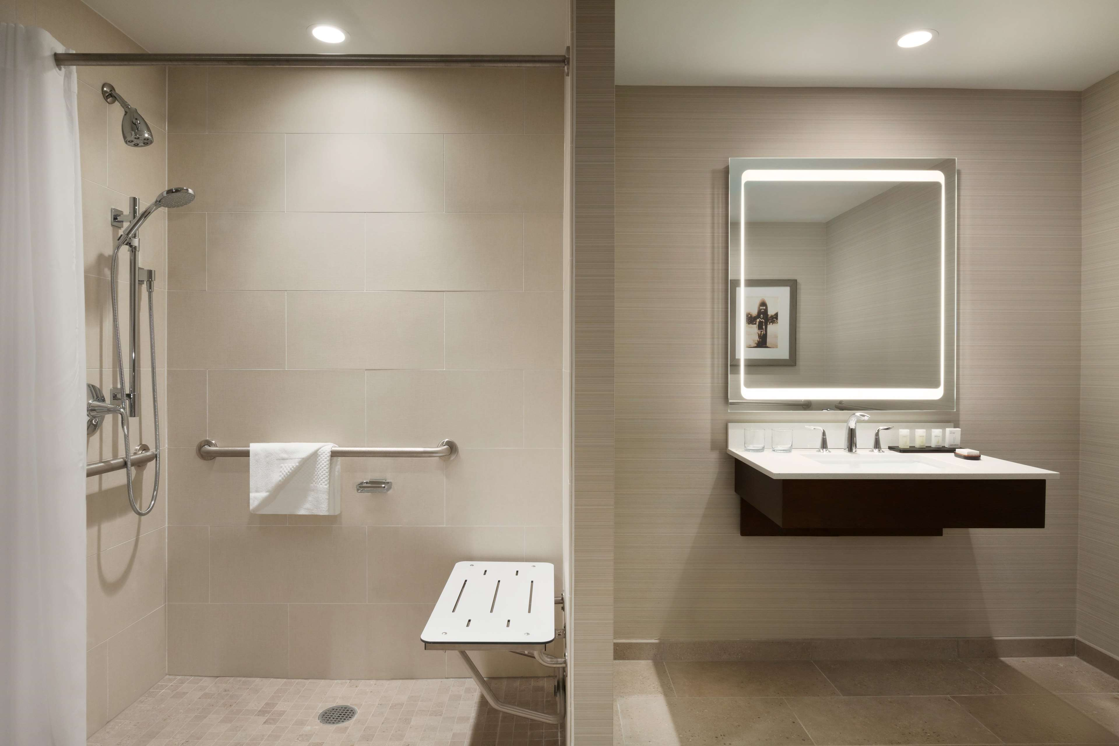 Embassy Suites by Hilton Oahu Kapolei image 34