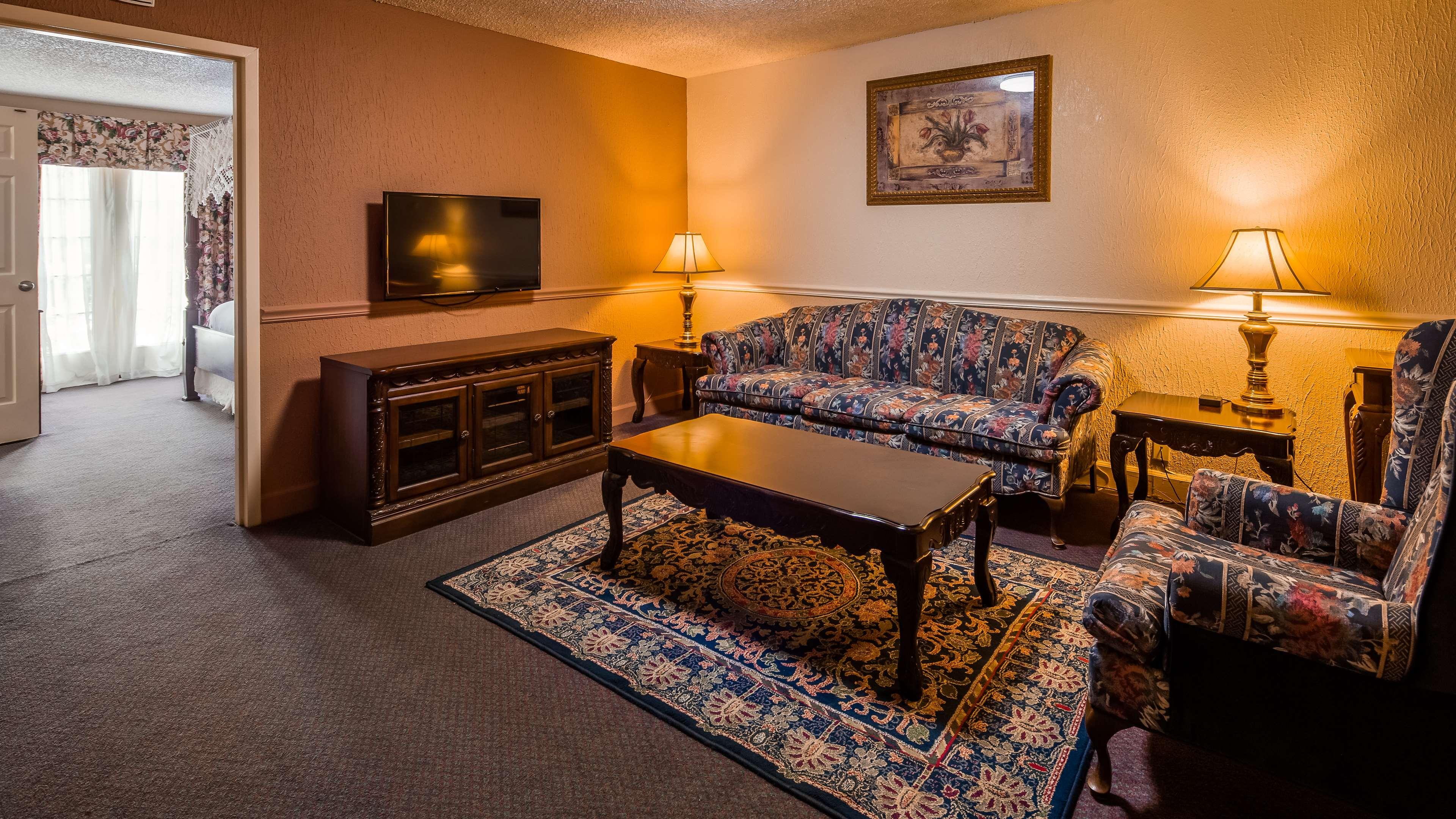 SureStay Plus Hotel by Best Western Baton Rouge image 14
