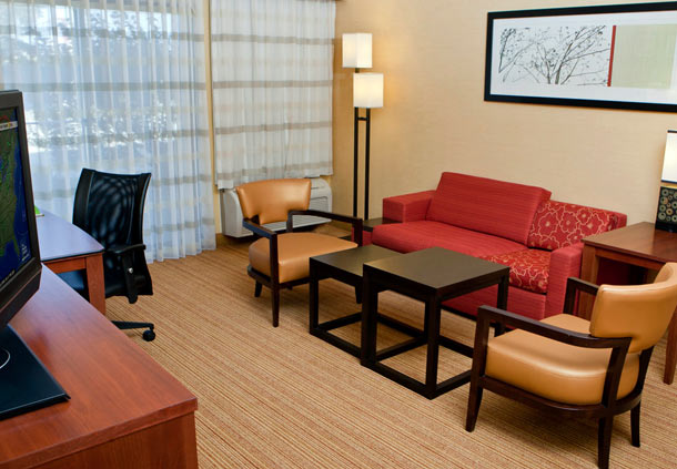 Courtyard by Marriott Champaign image 4