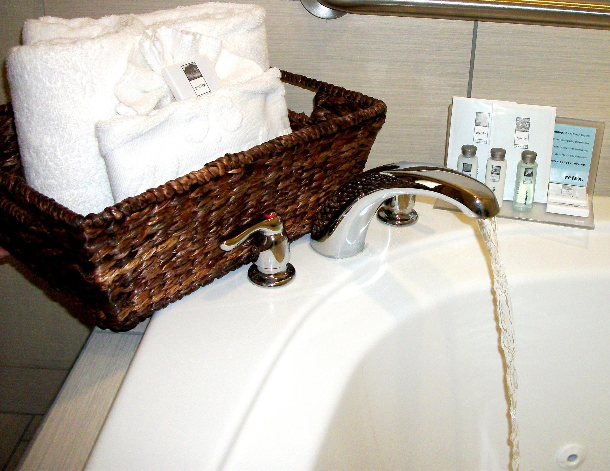 Hampton Inn & Suites Manteca image 16