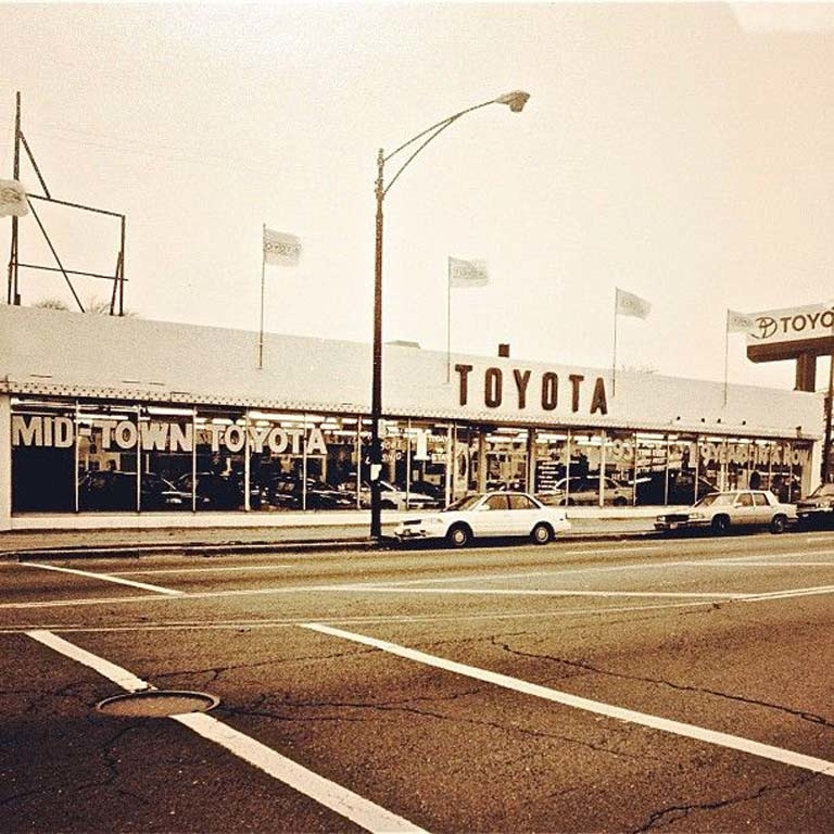 Toyota Dealers Miami: Midtown Toyota In Chicago, IL