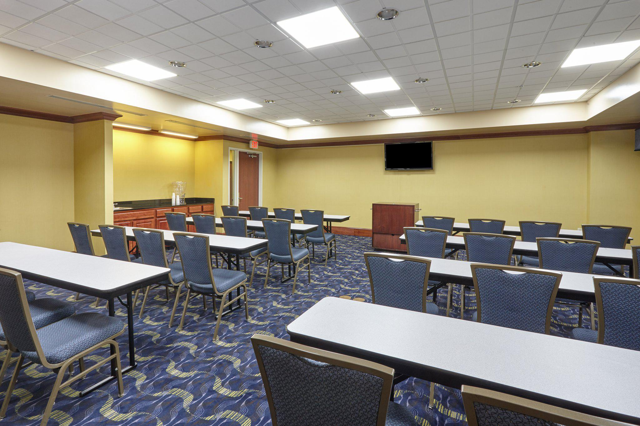 Holiday Inn Express & Suites Grand Rapids - South in Grand Rapids, MI, photo #3