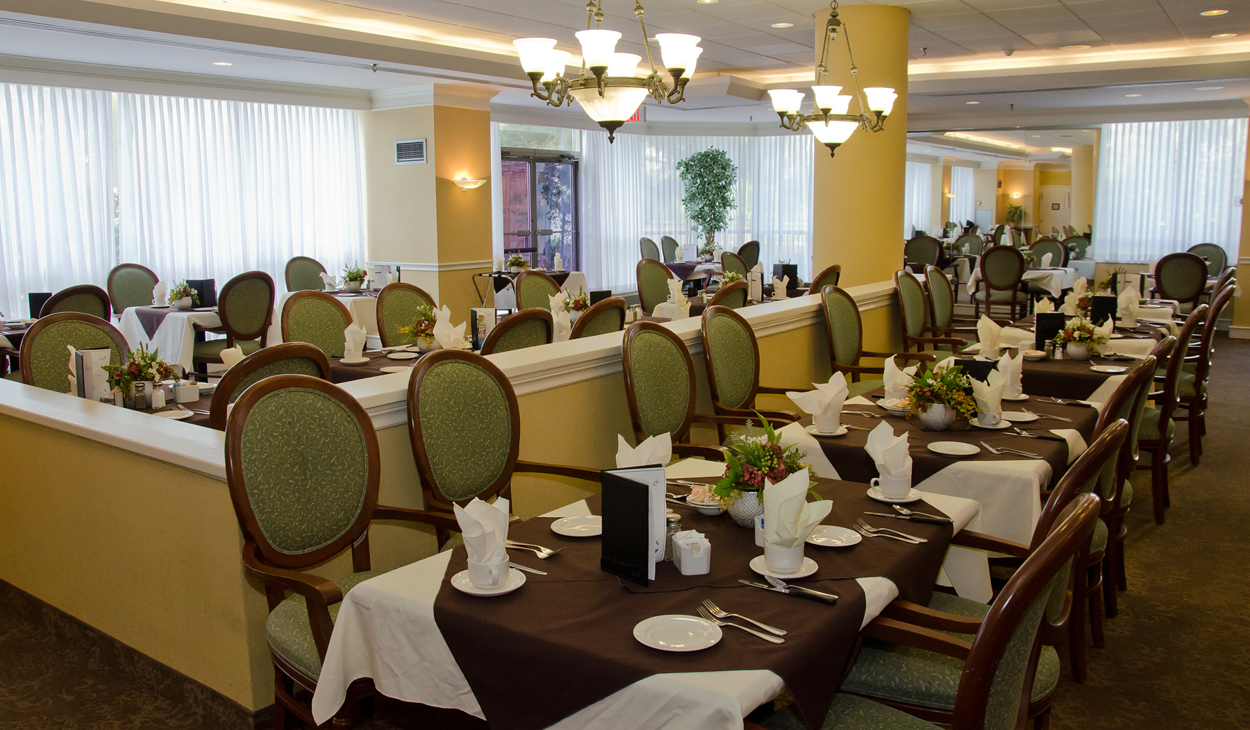 King gardens mississauga on ourbis for Best private dining rooms mississauga