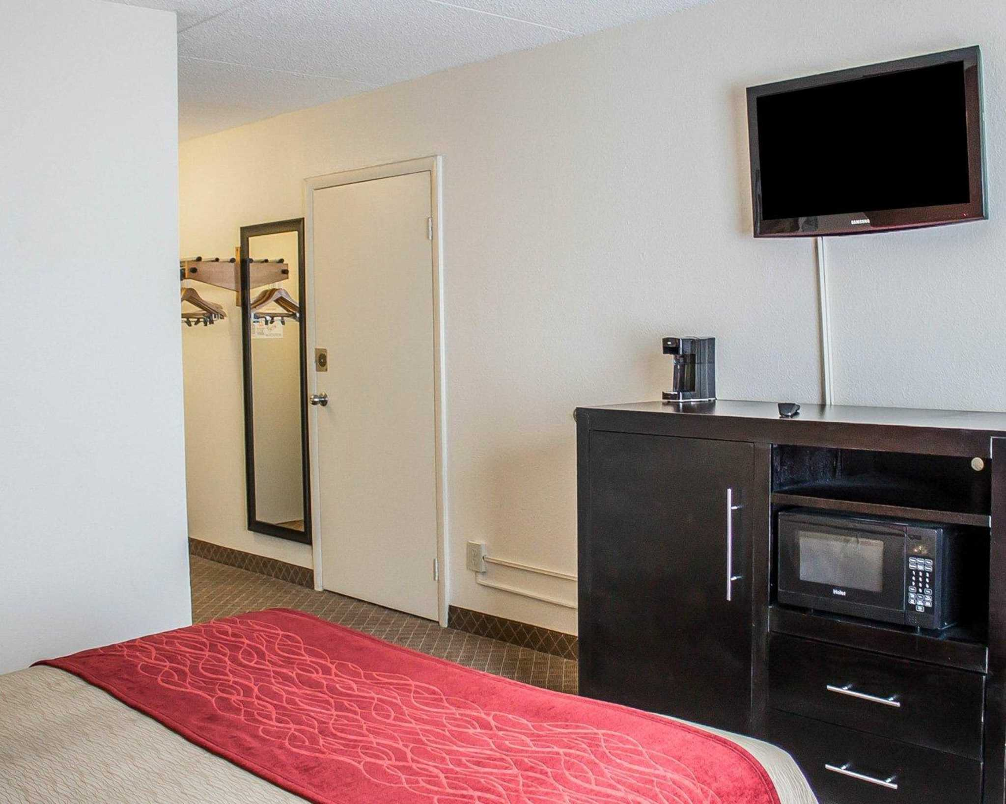 Comfort Inn North Conference Center image 18