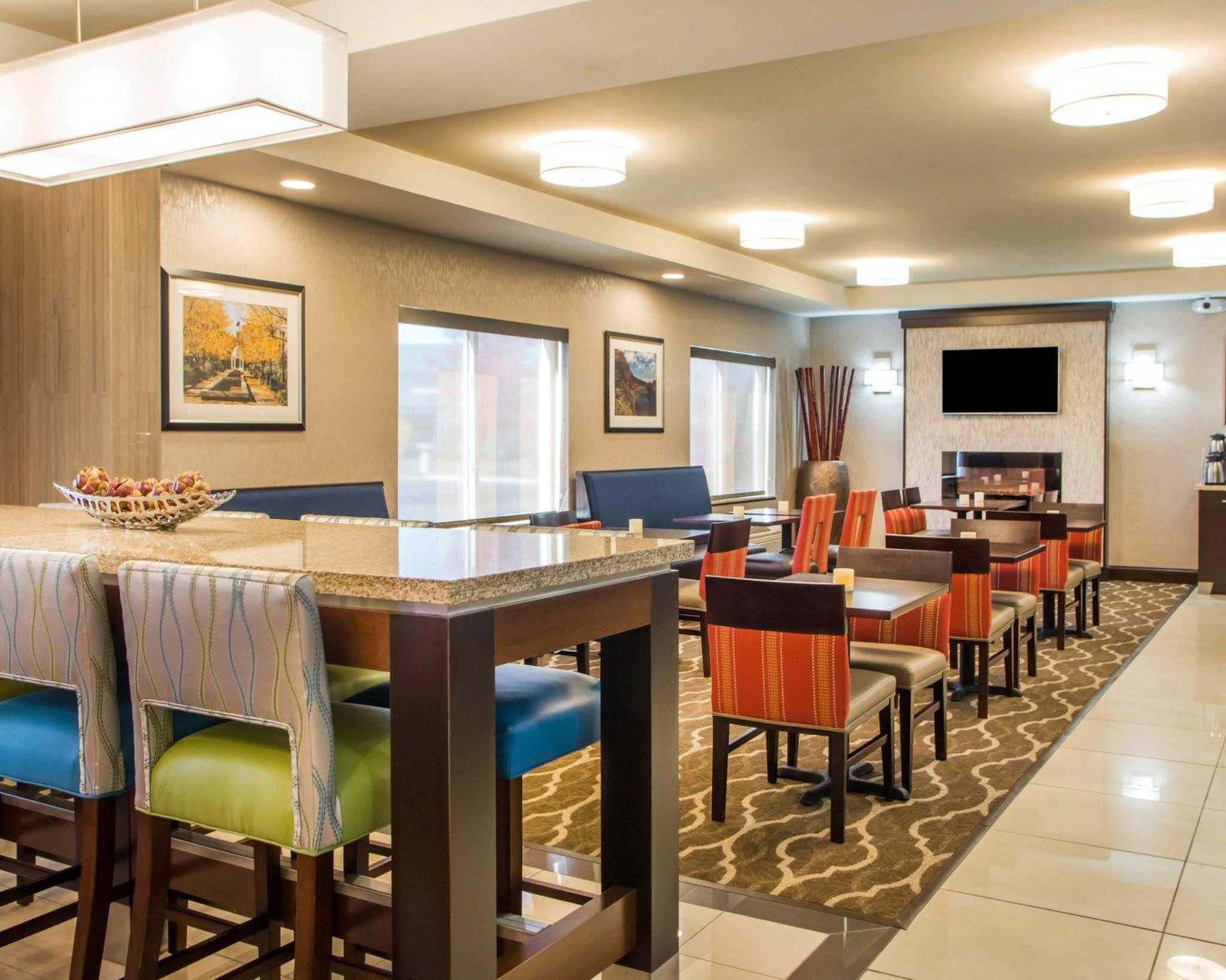 Comfort Suites Columbus West- Hilliard image 13