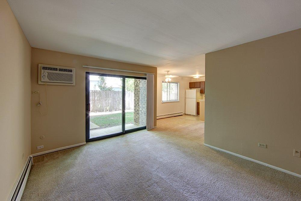Emerald Pointe Apartments image 1