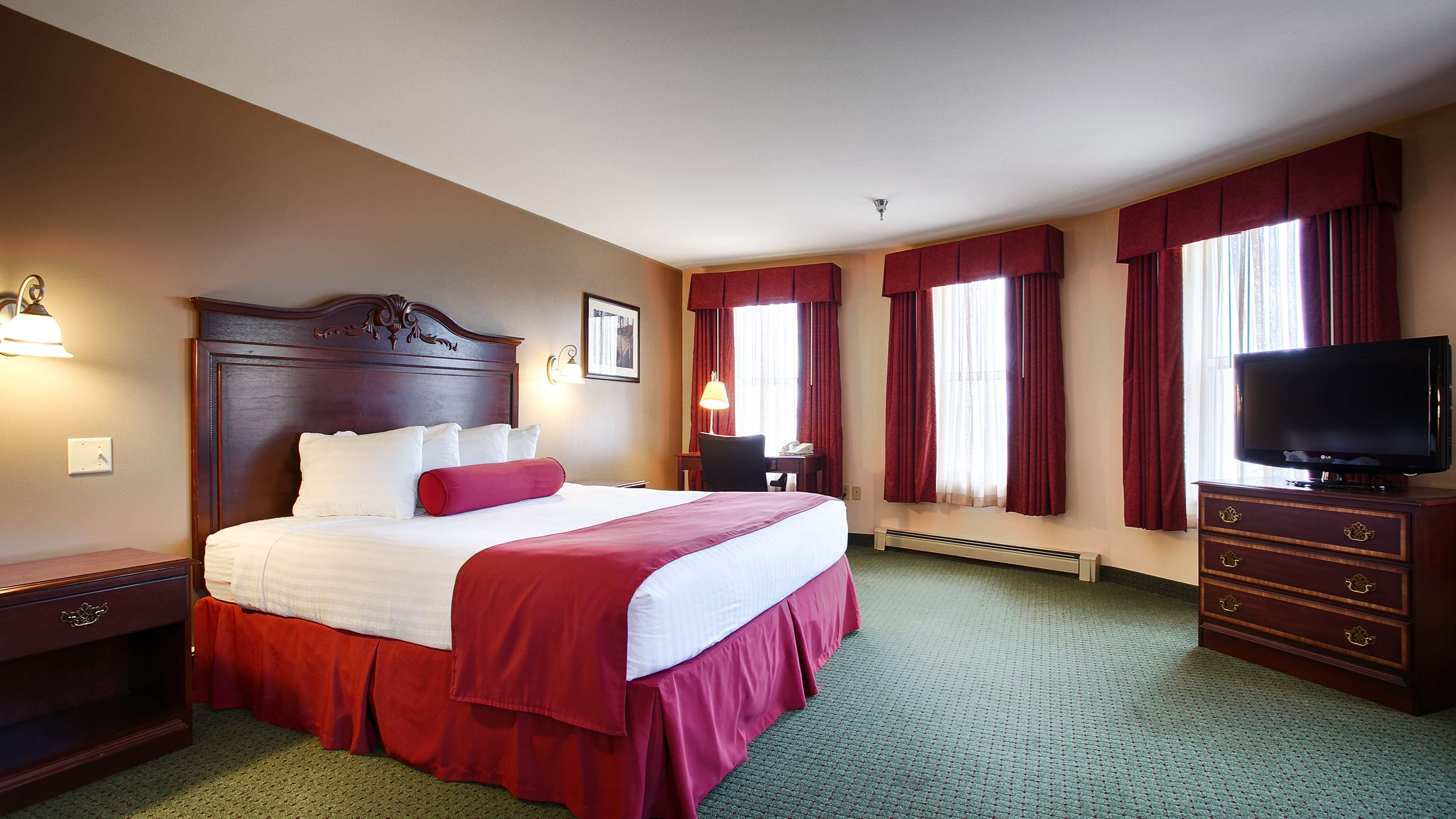 Best Western The Hotel Chequamegon image 2