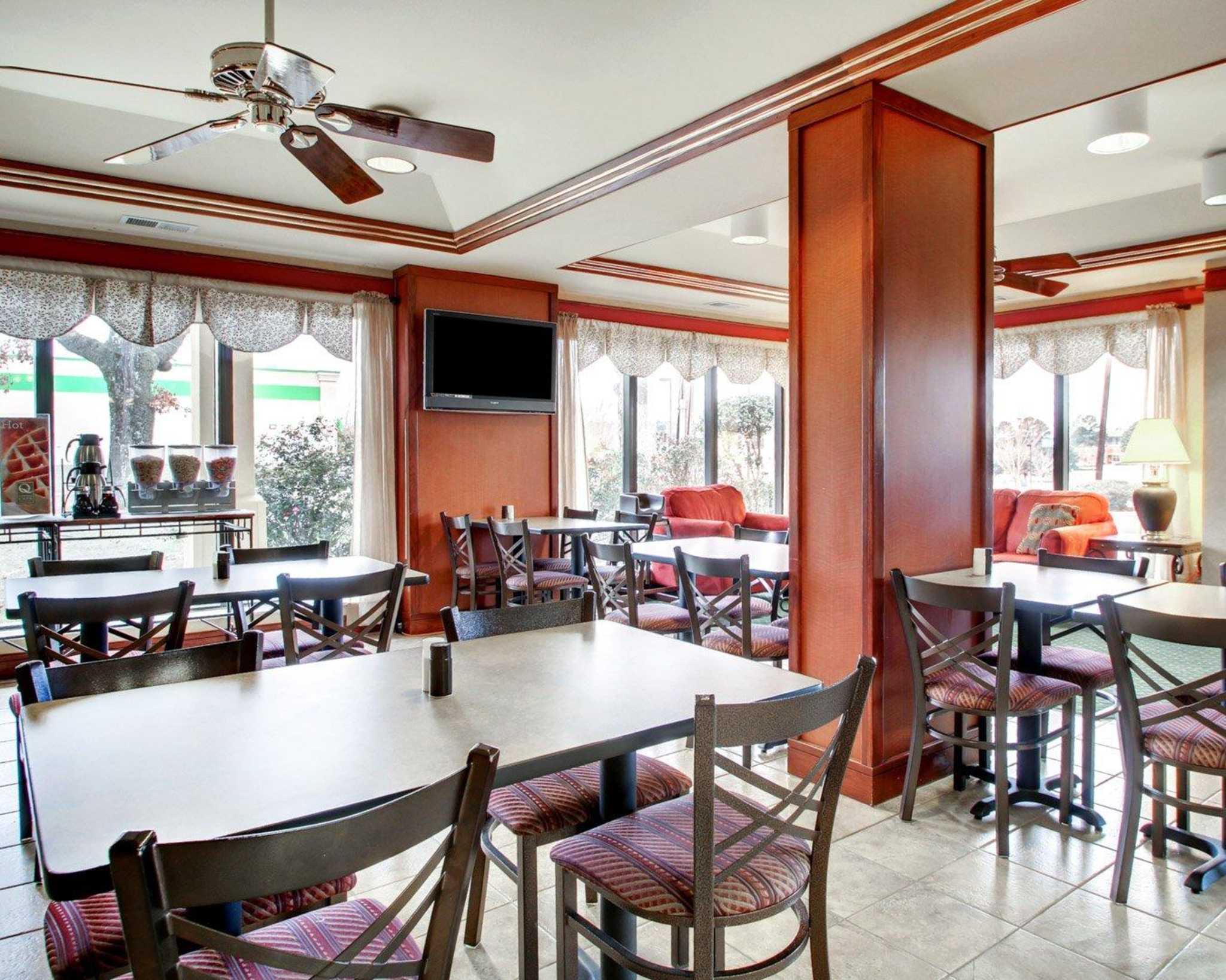Quality Inn & Suites Southwest image 24