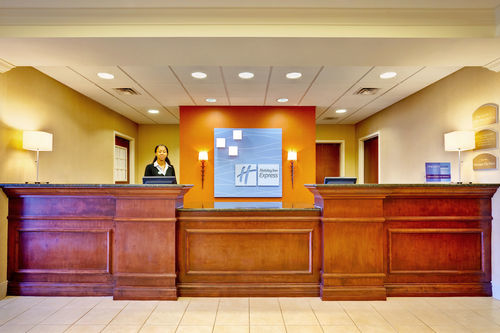 Holiday Inn Express & Suites Jackson - Flowood image 3