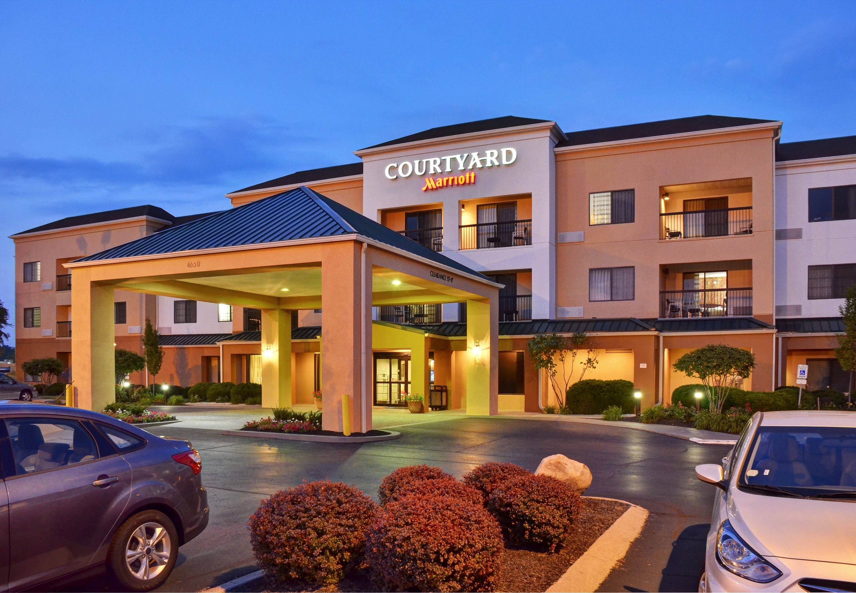 Courtyard by Marriott Indianapolis South image 11