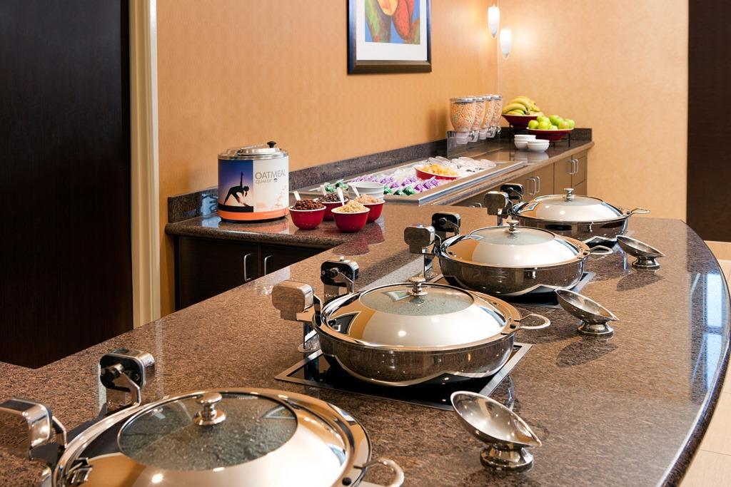 Residence Inn by Marriott Las Vegas Hughes Center image 23