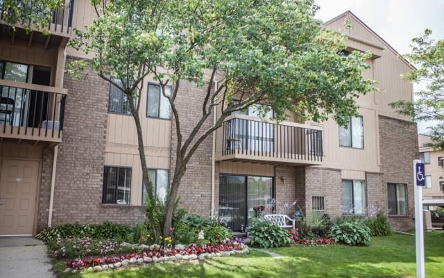 Franklin River Apartments