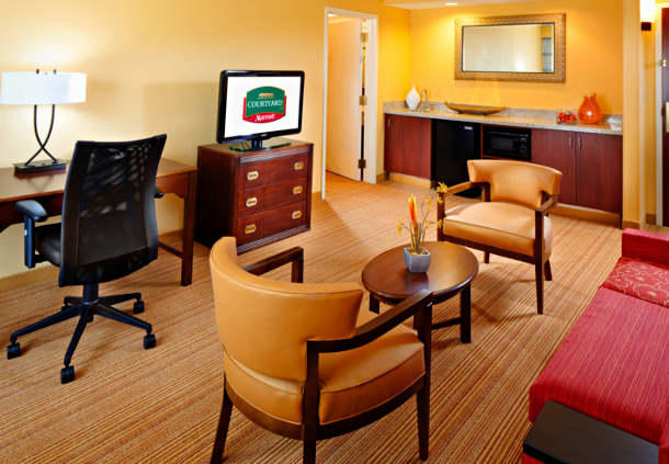Courtyard by Marriott Tulsa Central image 11