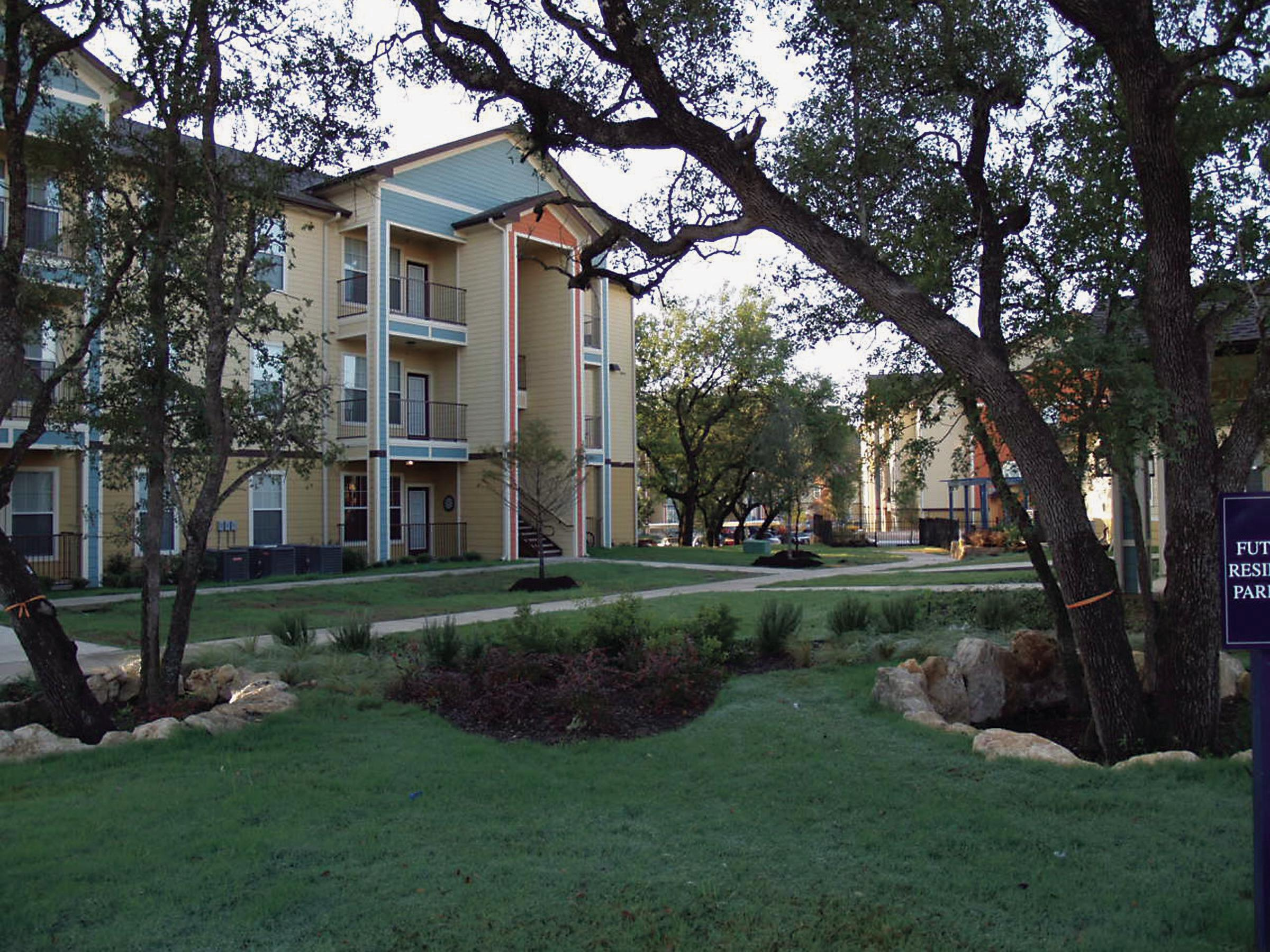 Hill Country Place Apartments image 6
