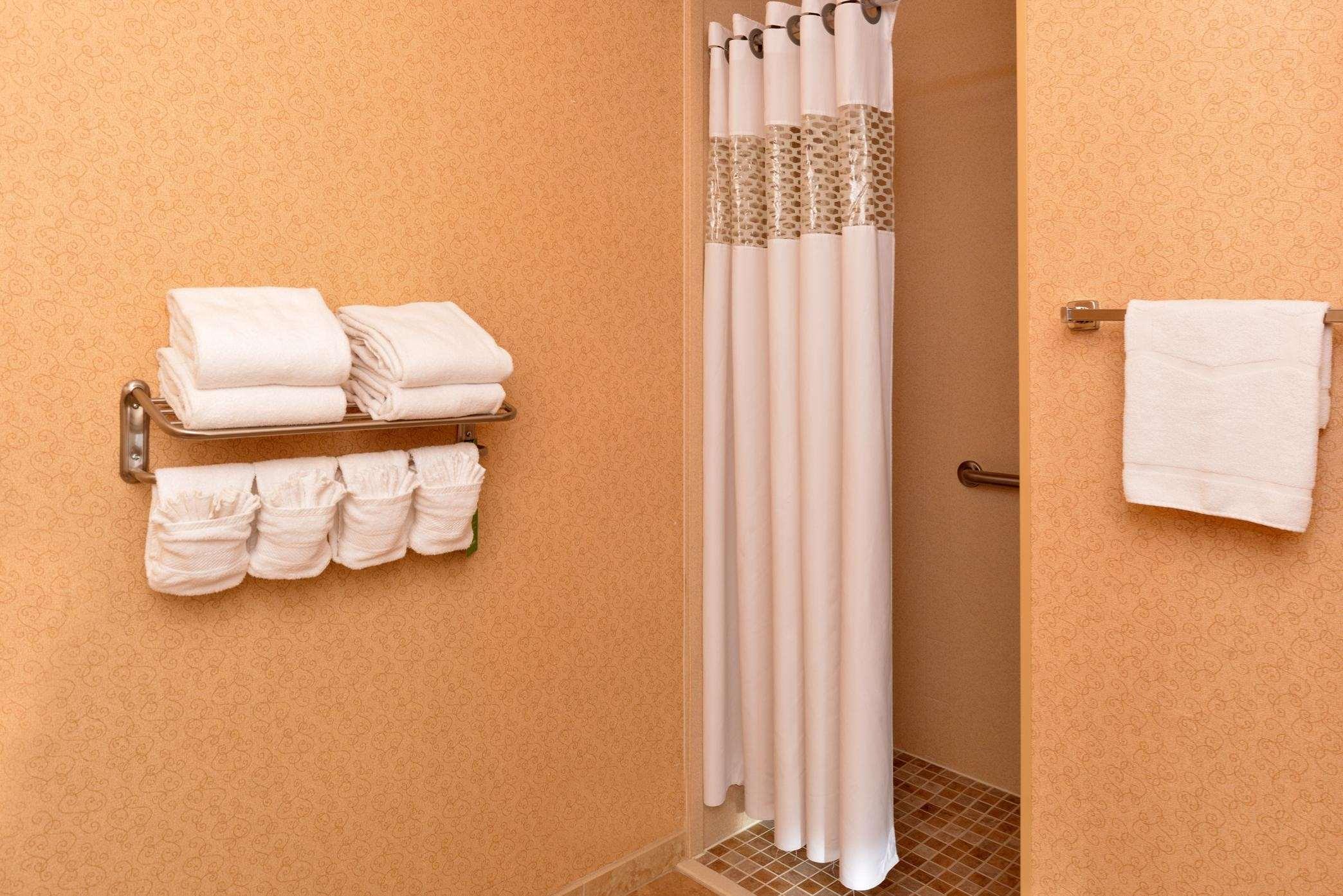 Hampton Inn & Suites Casper image 43