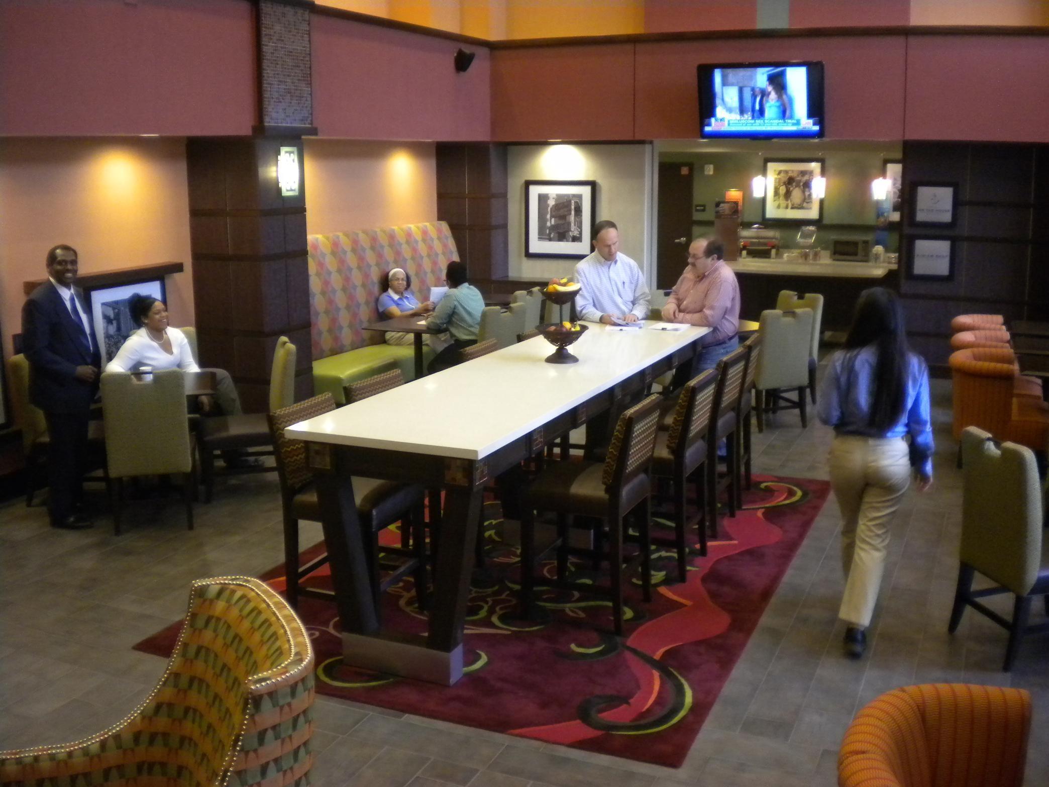 Hampton Inn & Suites Cincinnati/Uptown-University Area image 1