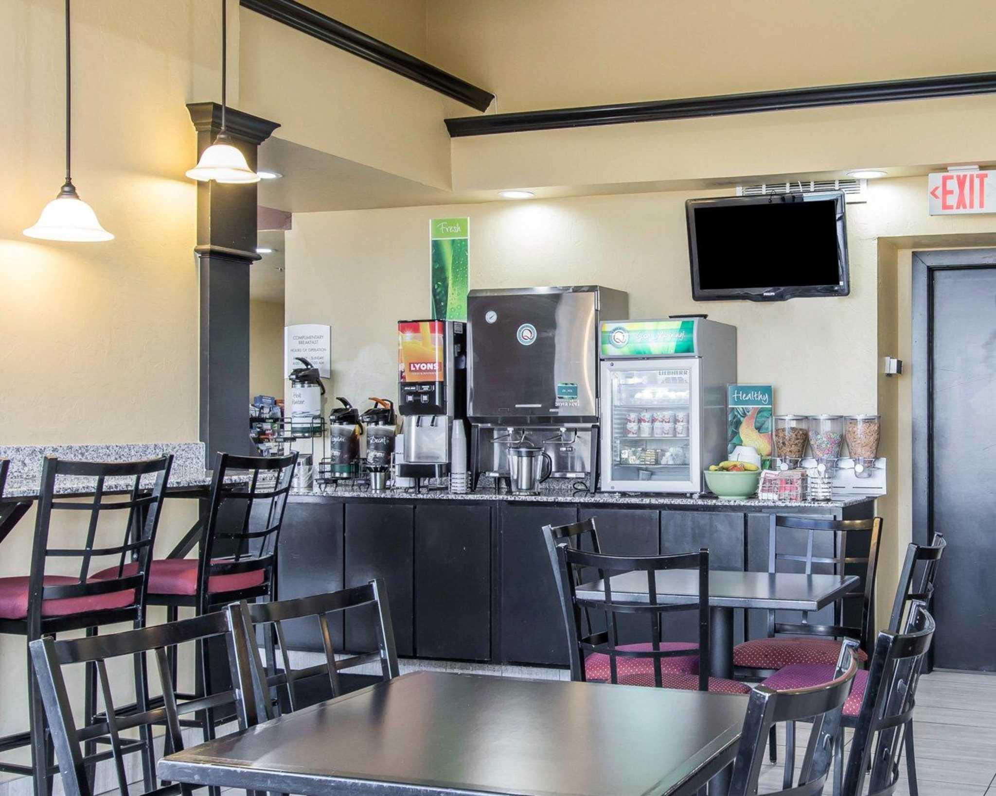 Quality Inn & Suites Fairgrounds West image 19