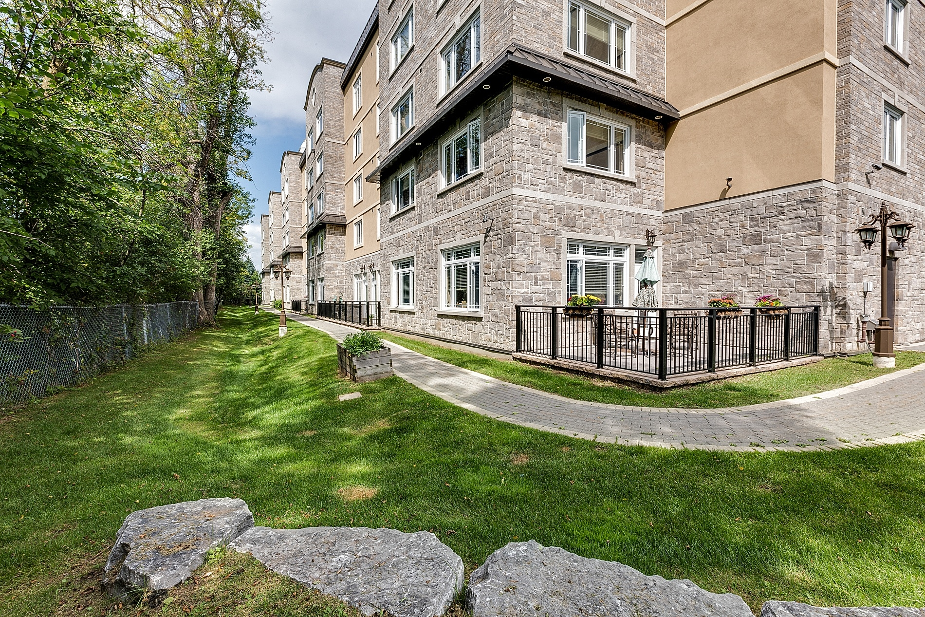 Valley Stream Retirement Community in Ottawa