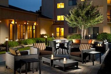Courtyard by Marriott Nashville Airport image 9