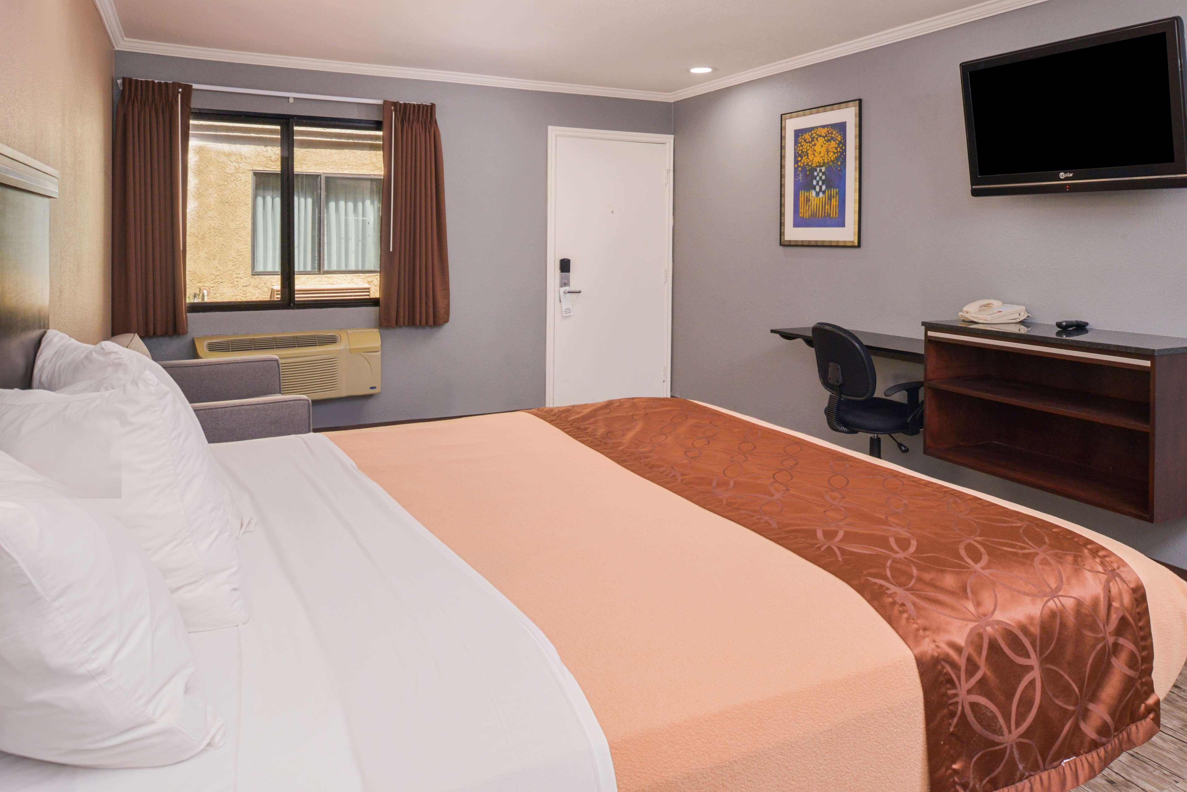 Americas Best Value Laguna Inn & Suites image 8