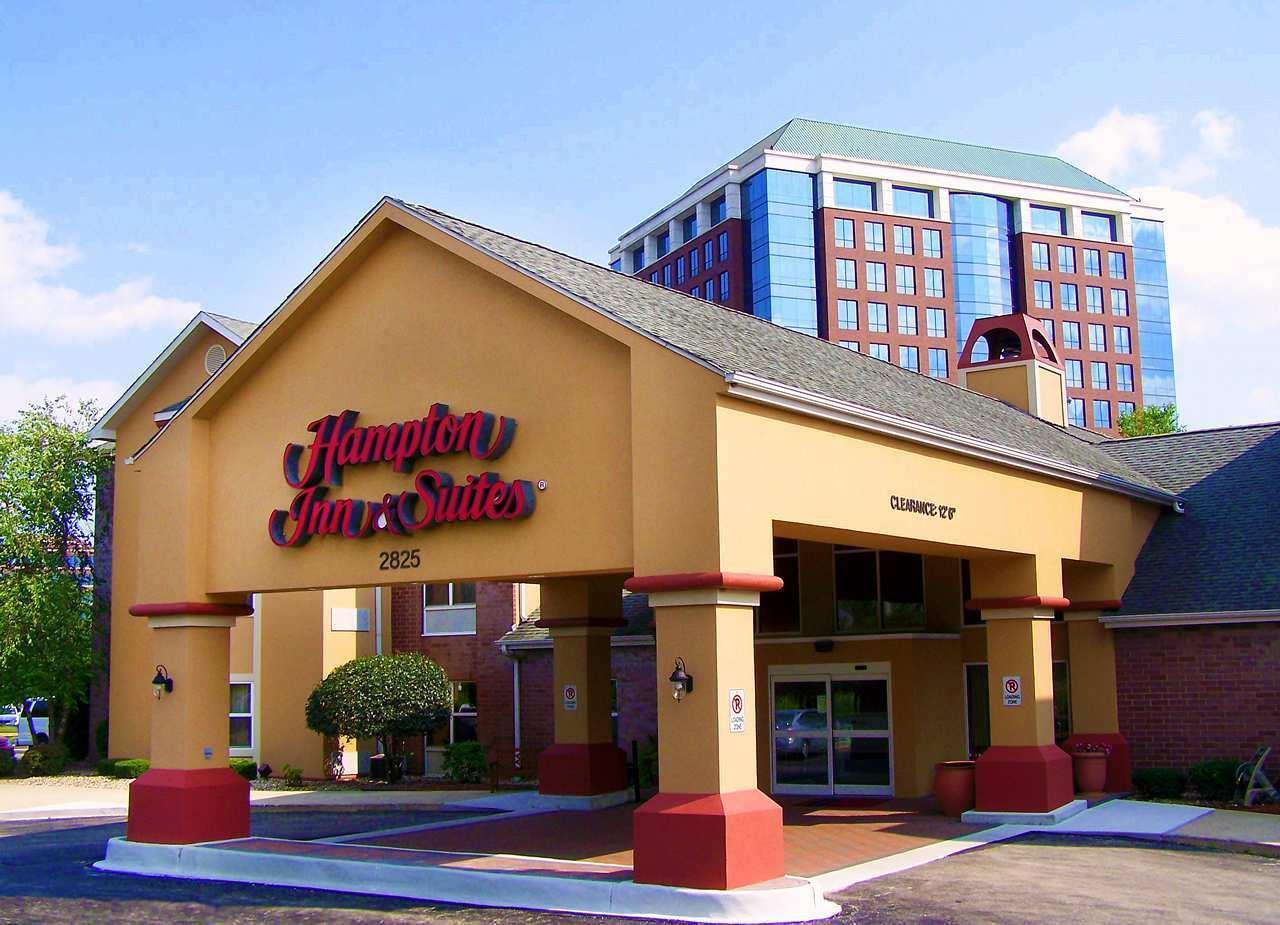 Hampton Inn & Suites Chicago/Hoffman Estates image 0