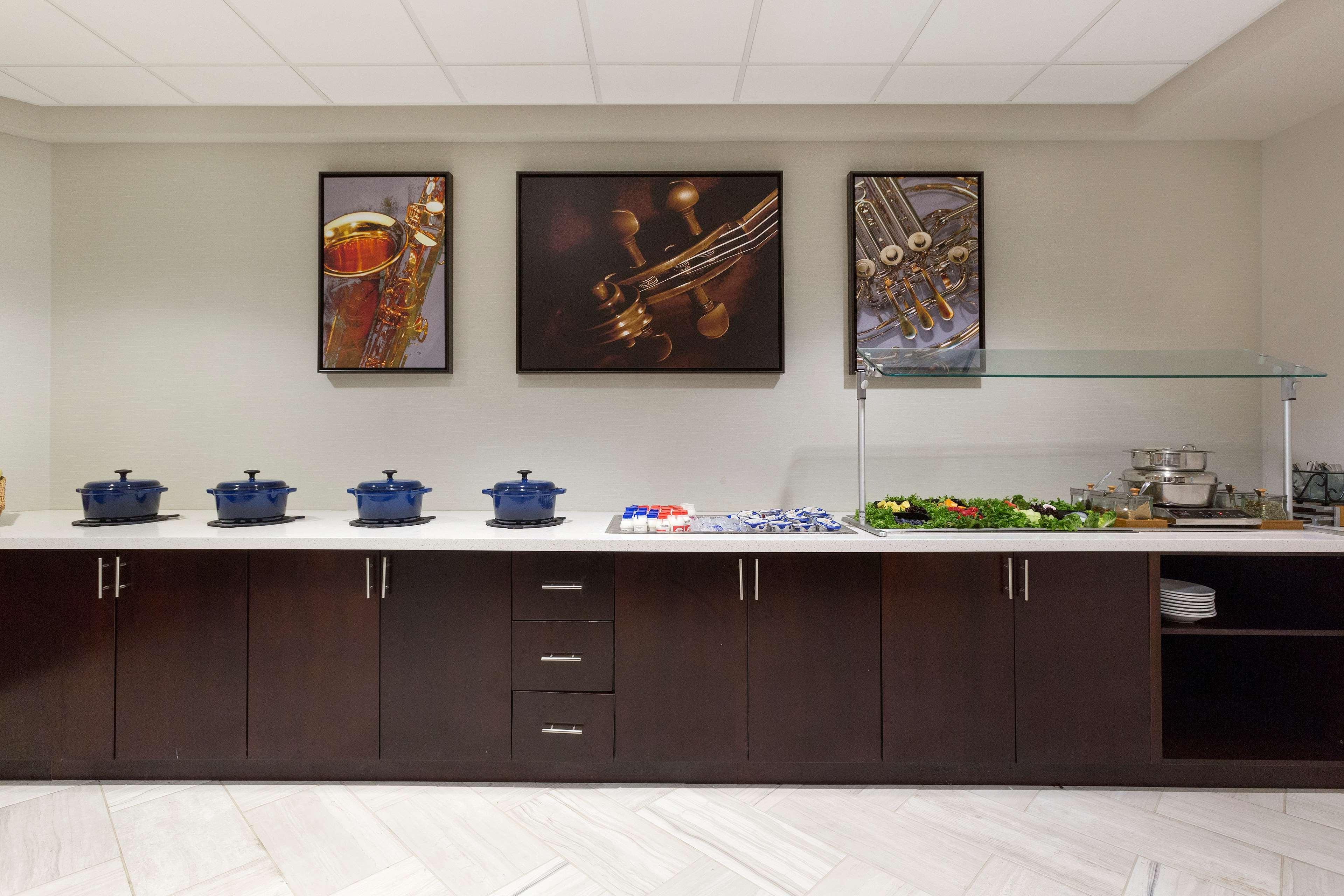 DoubleTree Suites by Hilton Hotel Nashville Airport image 19
