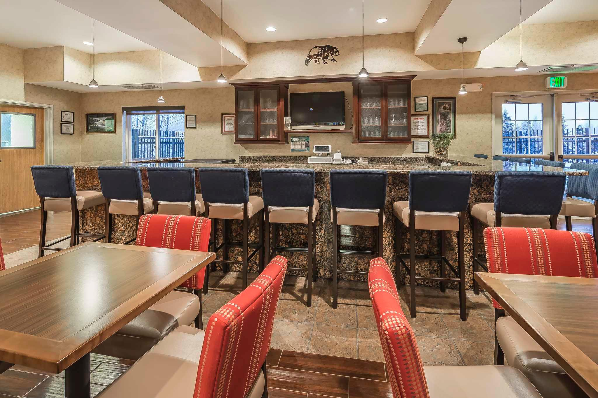 Comfort Suites Anchorage International Airport image 3