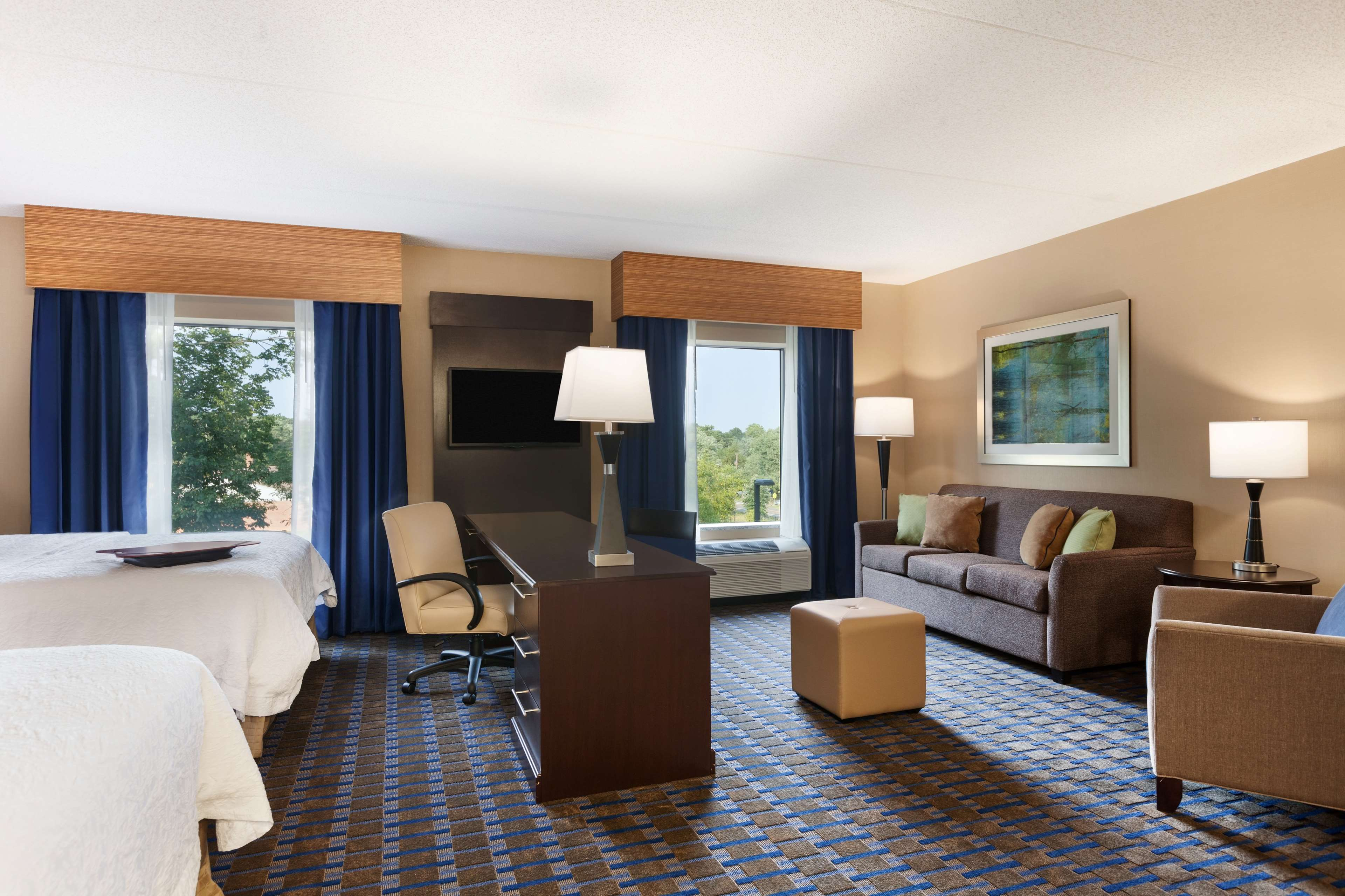 Hampton Inn & Suites Camp Springs/Andrews AFB image 6